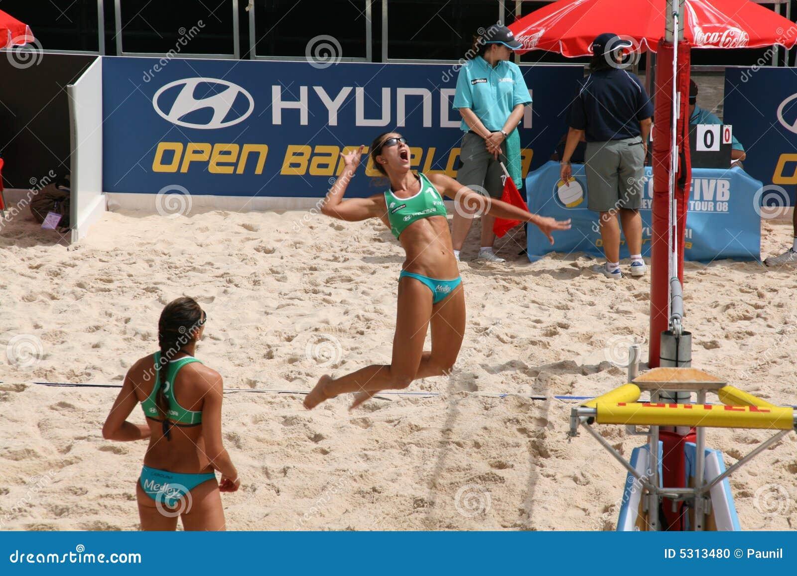 Download Salti Ed Attacco Di Maria Clara Salgado (Brasile) Immagine Editoriale - Immagine di mondo, spiaggia: 5313480