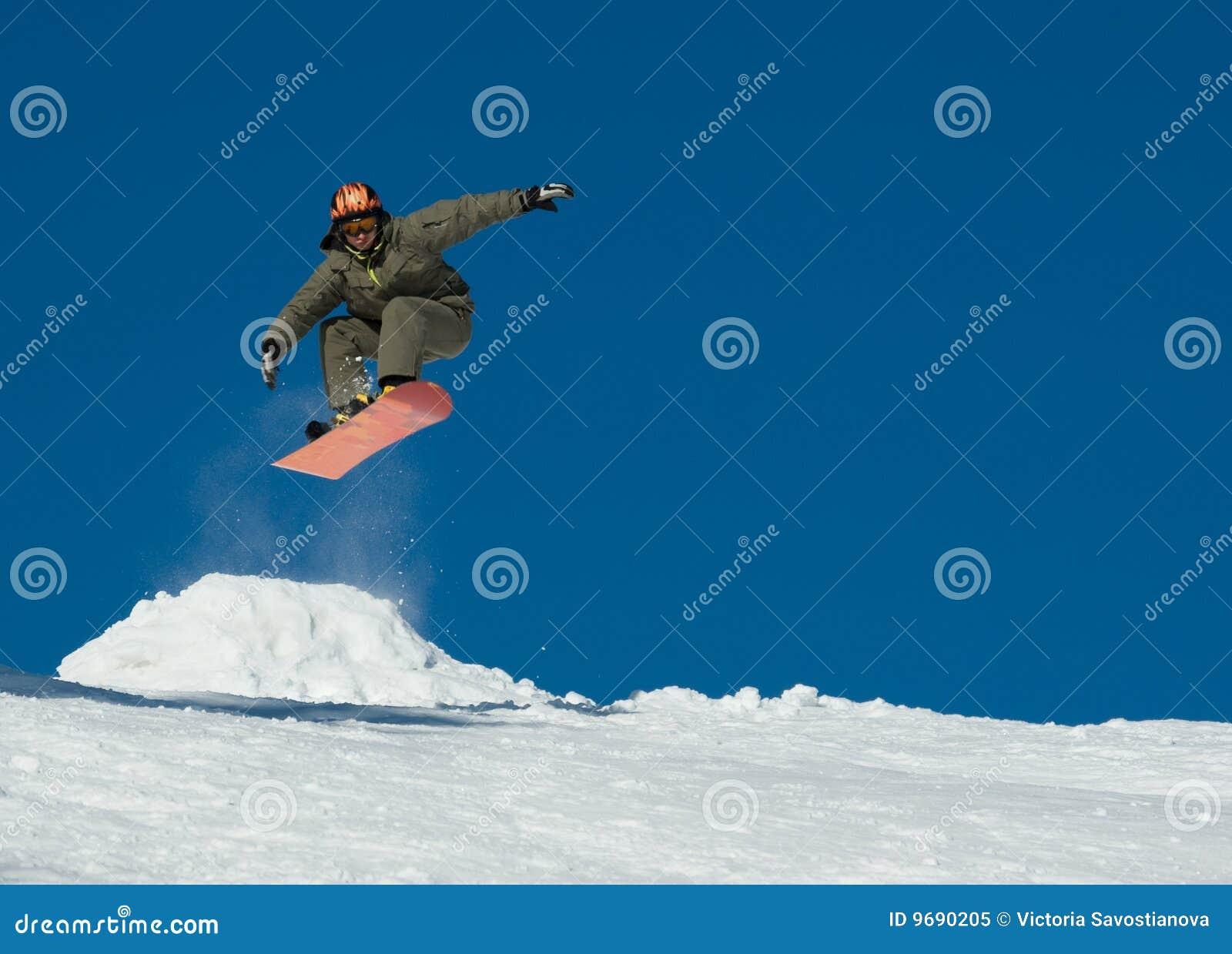 Salto do Snowboard