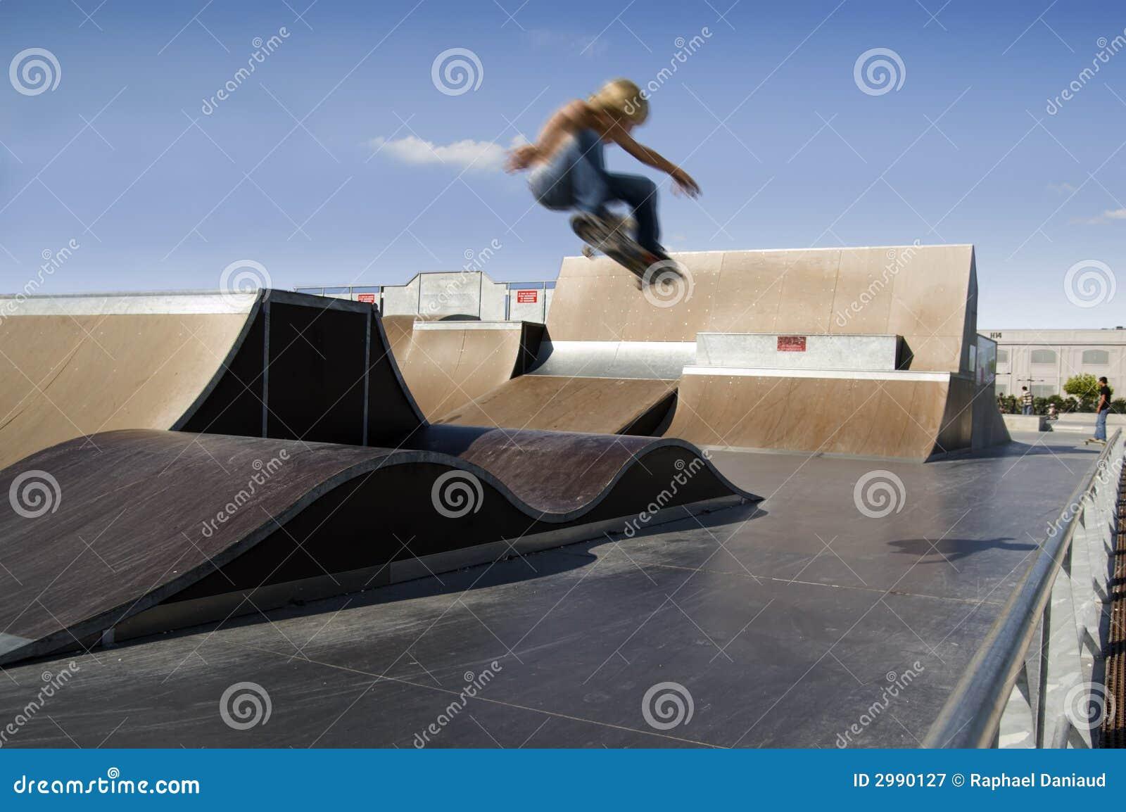 Salto extremo del patinador