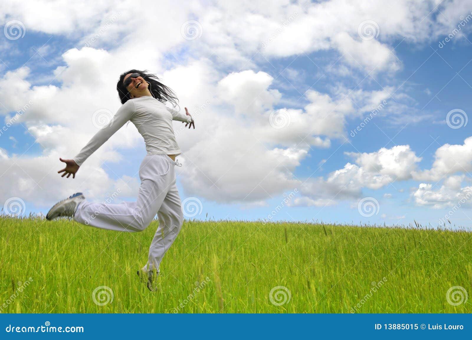 Salto feliz grande