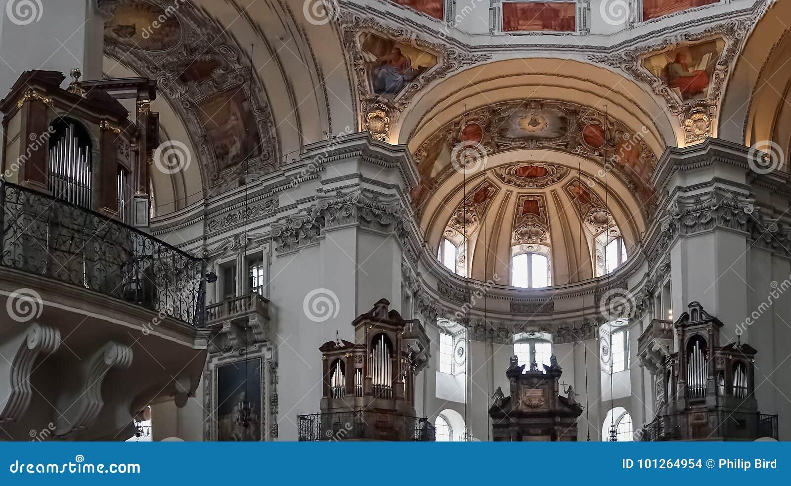 SALZBURG/AUSTRIA - 19 SEPTEMBER: Mening van het Plafond in Salzbur