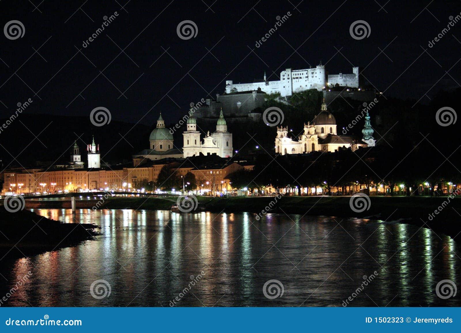 Salzburg bij nacht