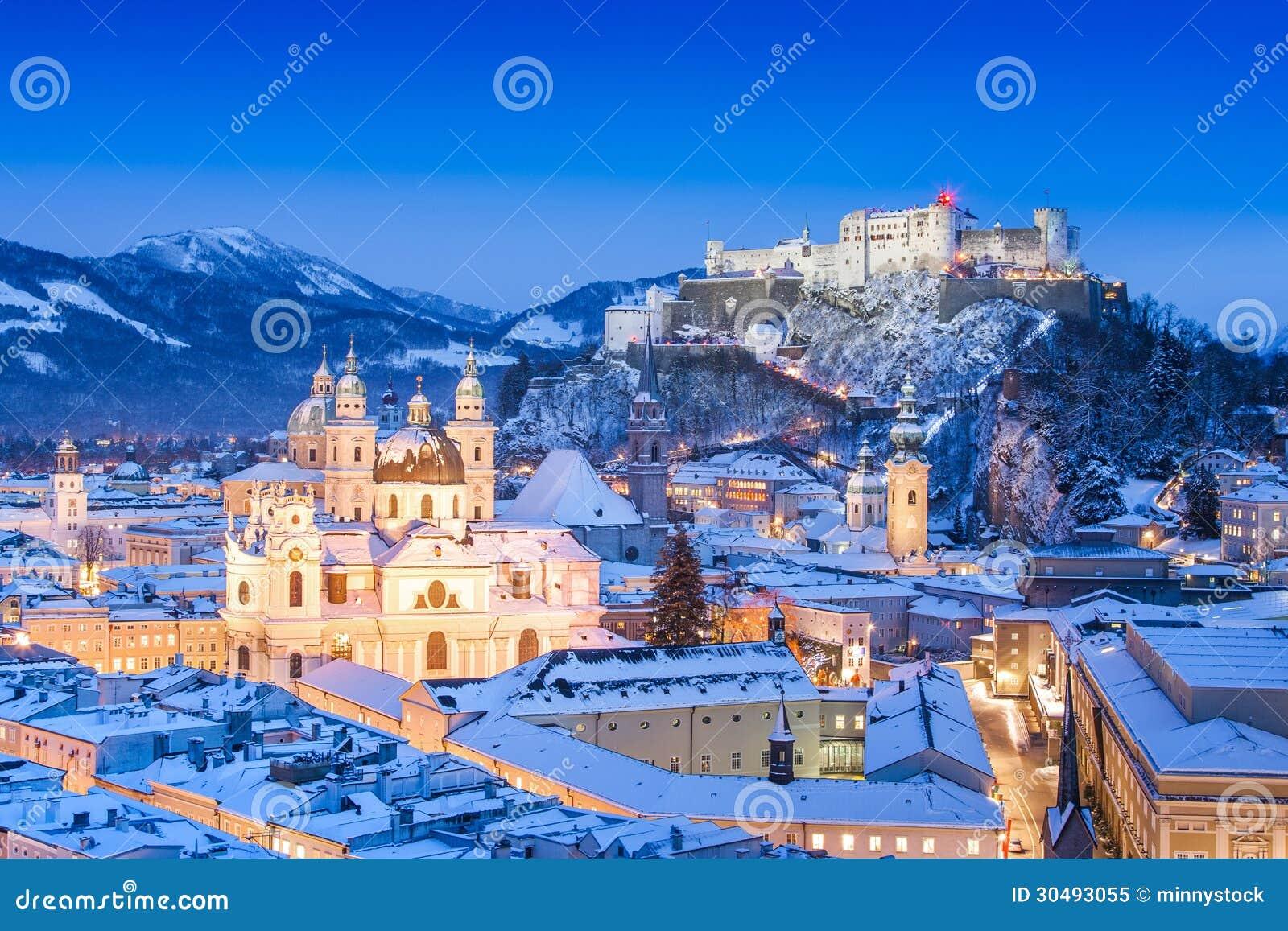Salzburg linia horyzontu w zimie jak widzieć od Moenchsberg, Salzburger ziemia, Austria