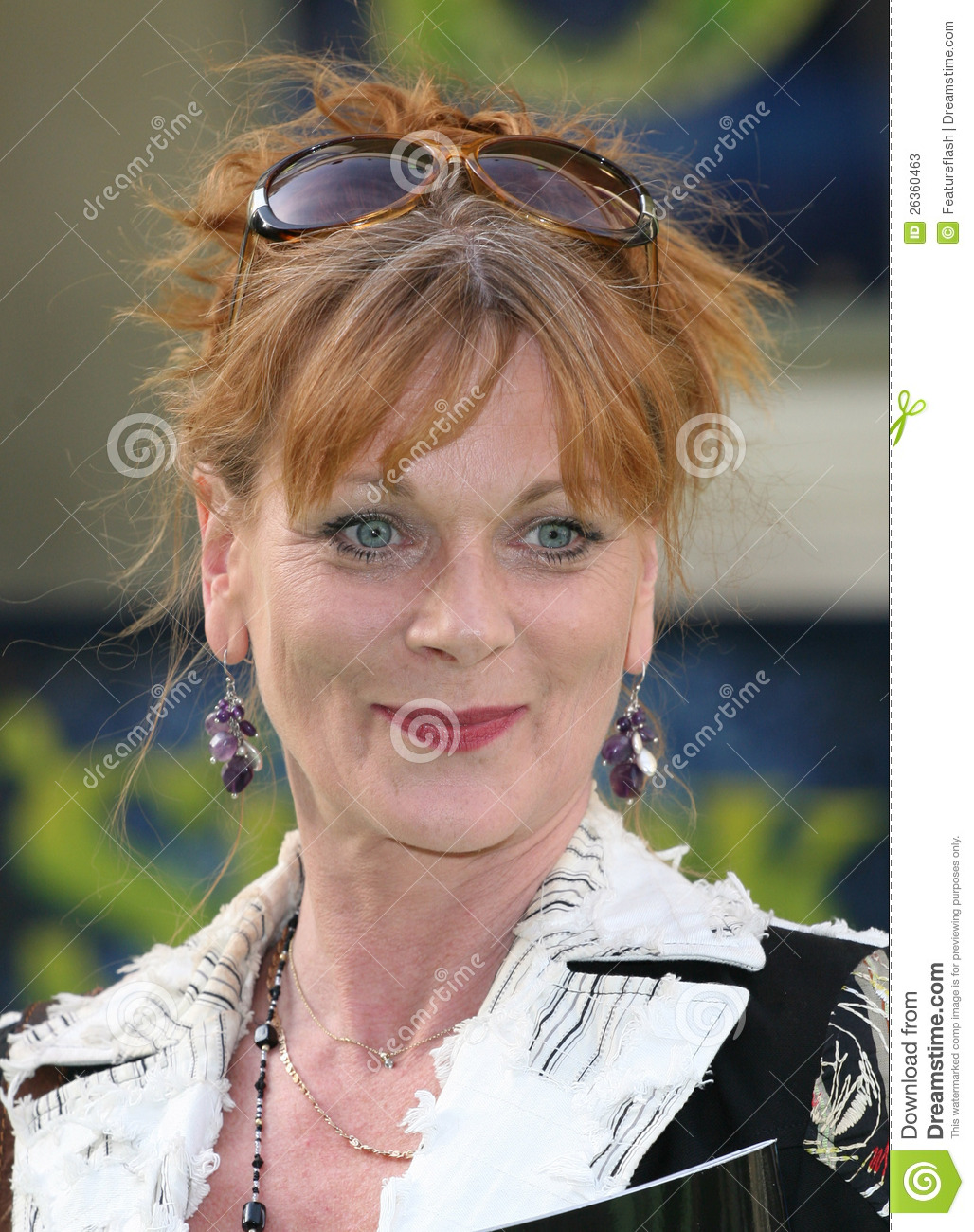 samantha bond twitter
