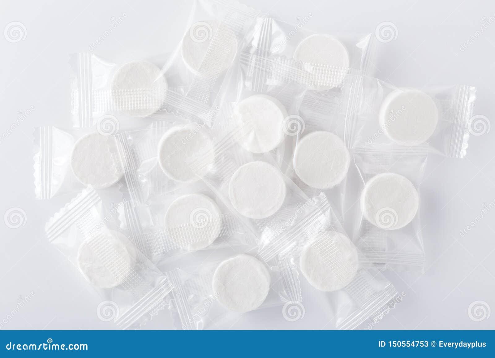 Samengeperst gezichtsmasker in pakket