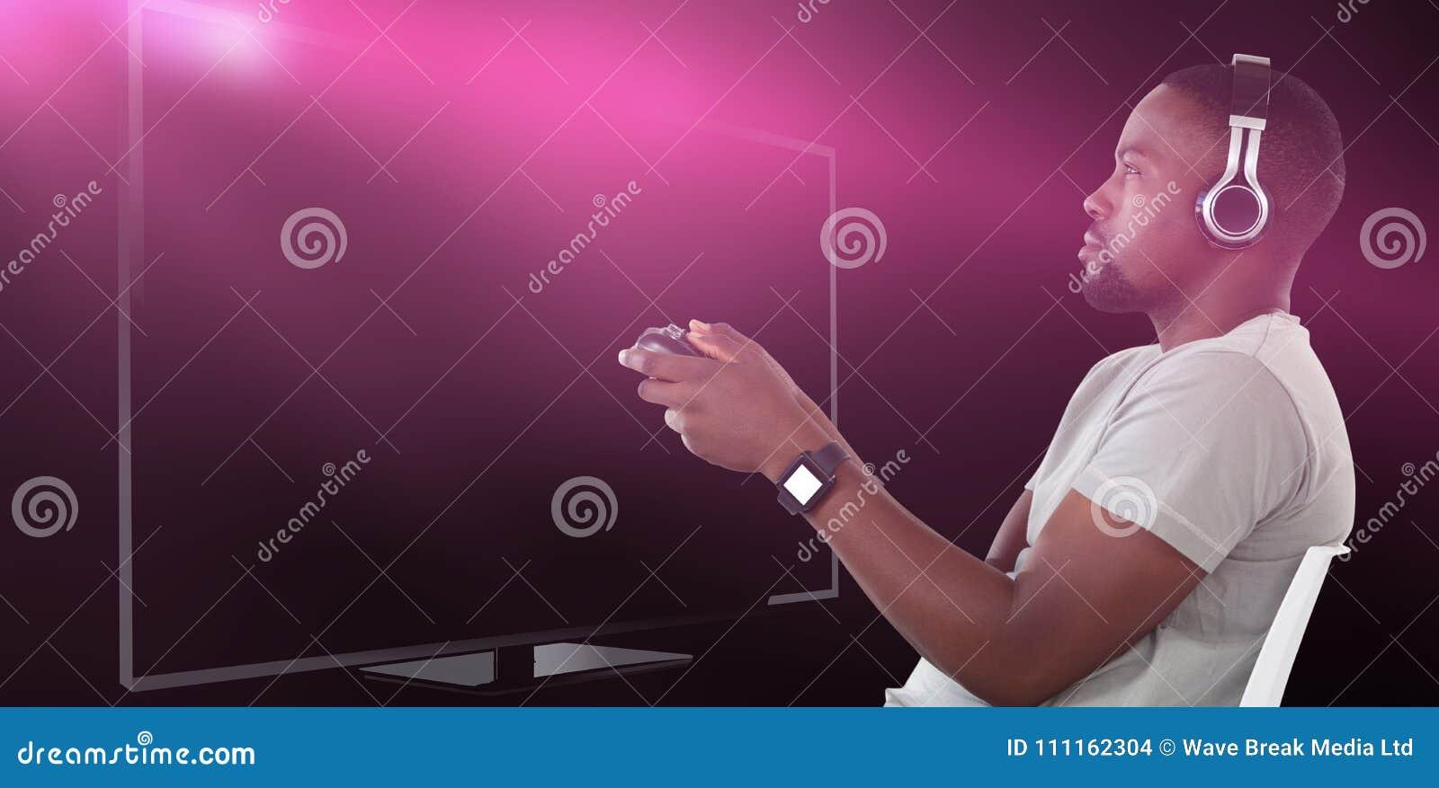 Samengesteld beeld van mens het spelen videospelletje tegen witte achtergrond