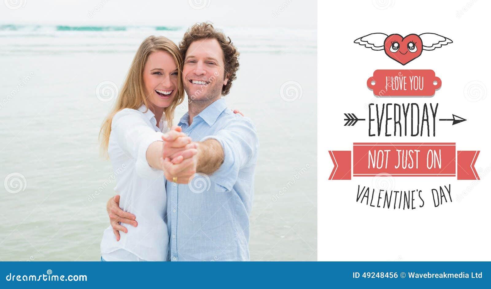 Samengesteld beeld van portret van vrolijk paar die bij strand dansen