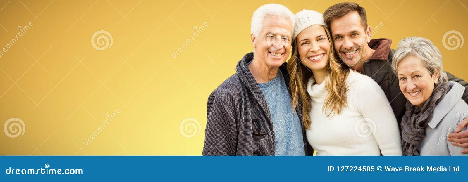 Samengesteld zich en beeld die van gelukkige familie verenigen glimlachen