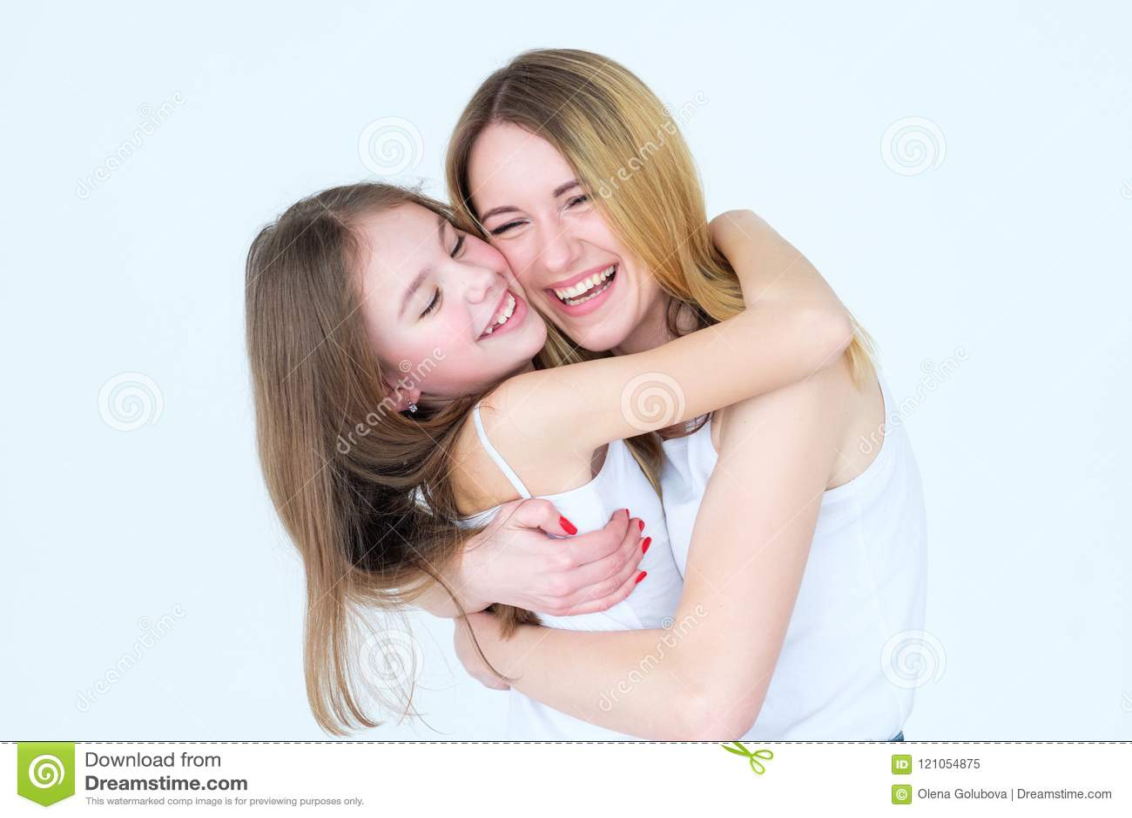 Samhörighetskänsla för kram för familj för moderdotterförälskelse