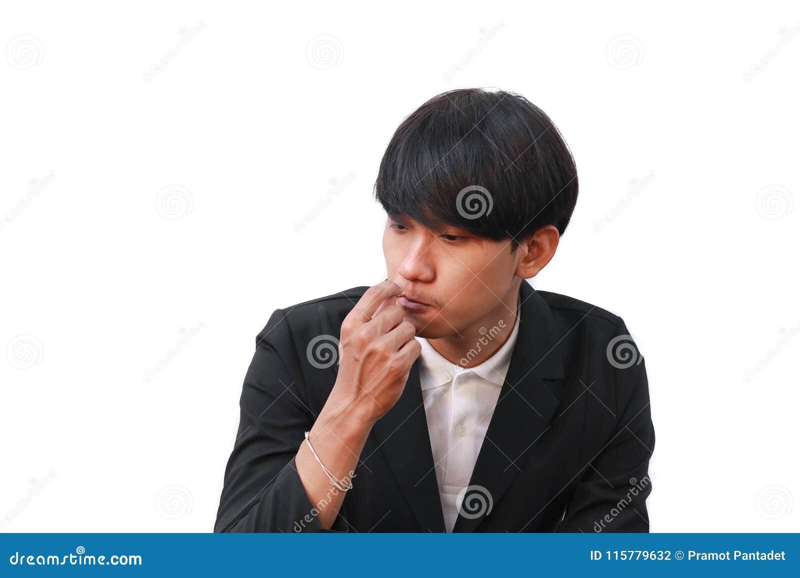 Samiec jego czyści zęby z wykałaczką na białym tle