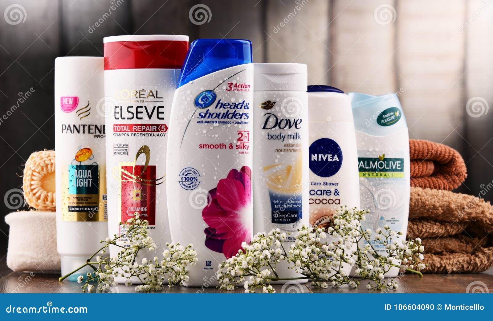 Sammansättning med behållare av globala skönhetsmedelmärken