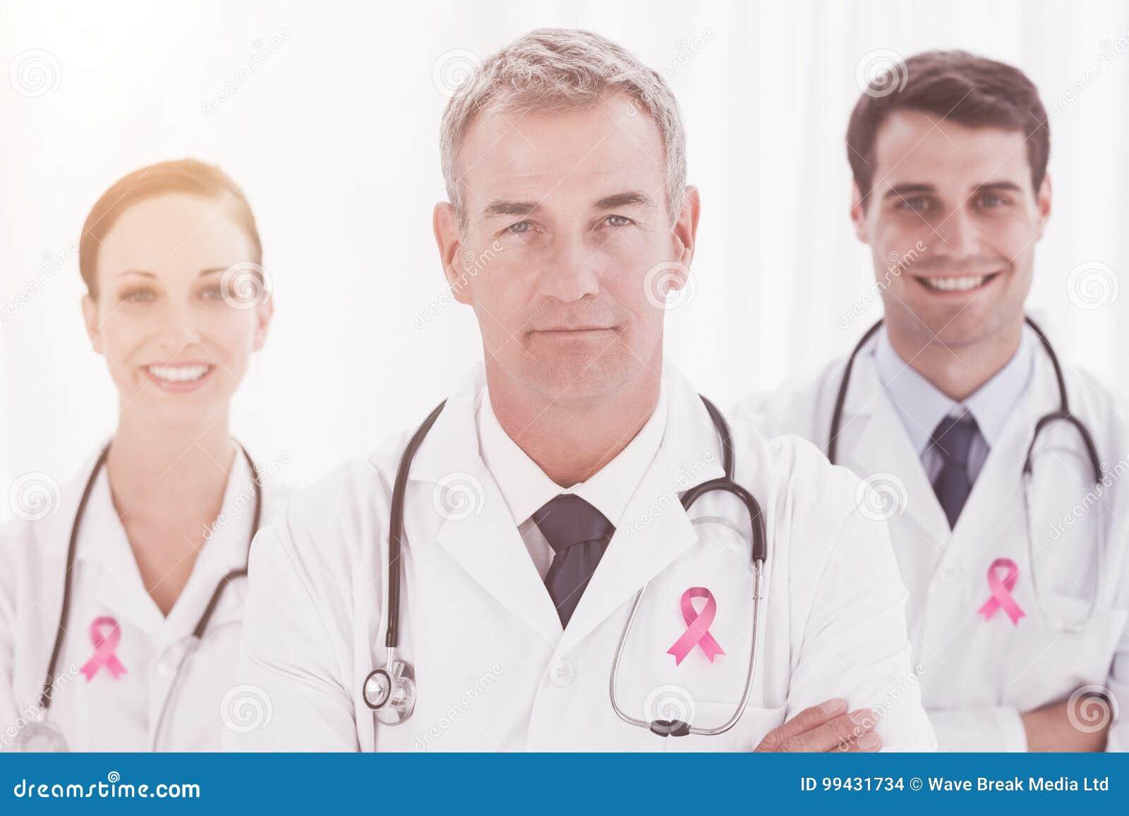 Sammansatt bild av bröstcancermedvetenhetbandet