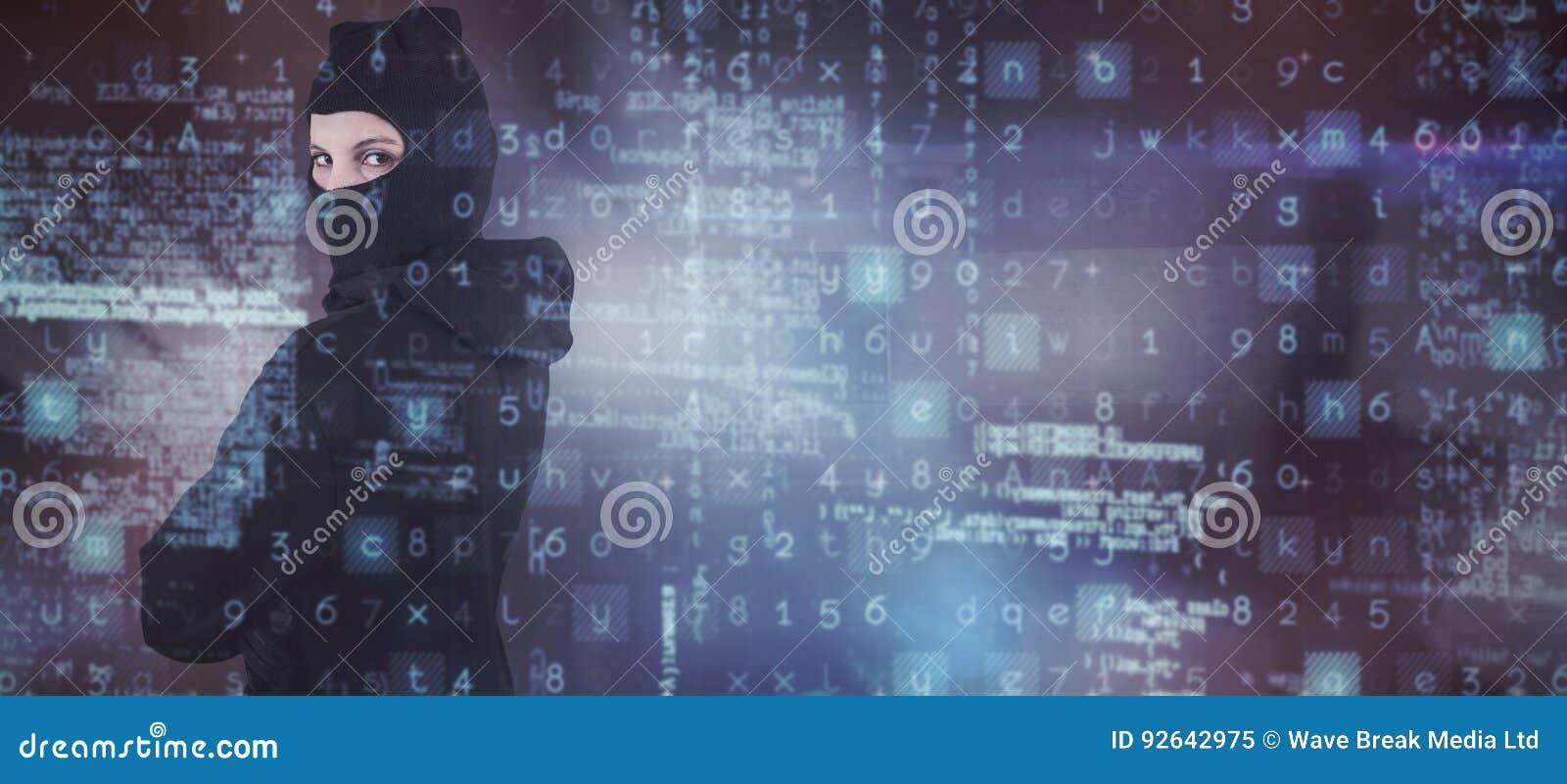Sammansatt bild av ståenden av hoodien och balaclavaen för kvinnligt en hackeranseende den bärande