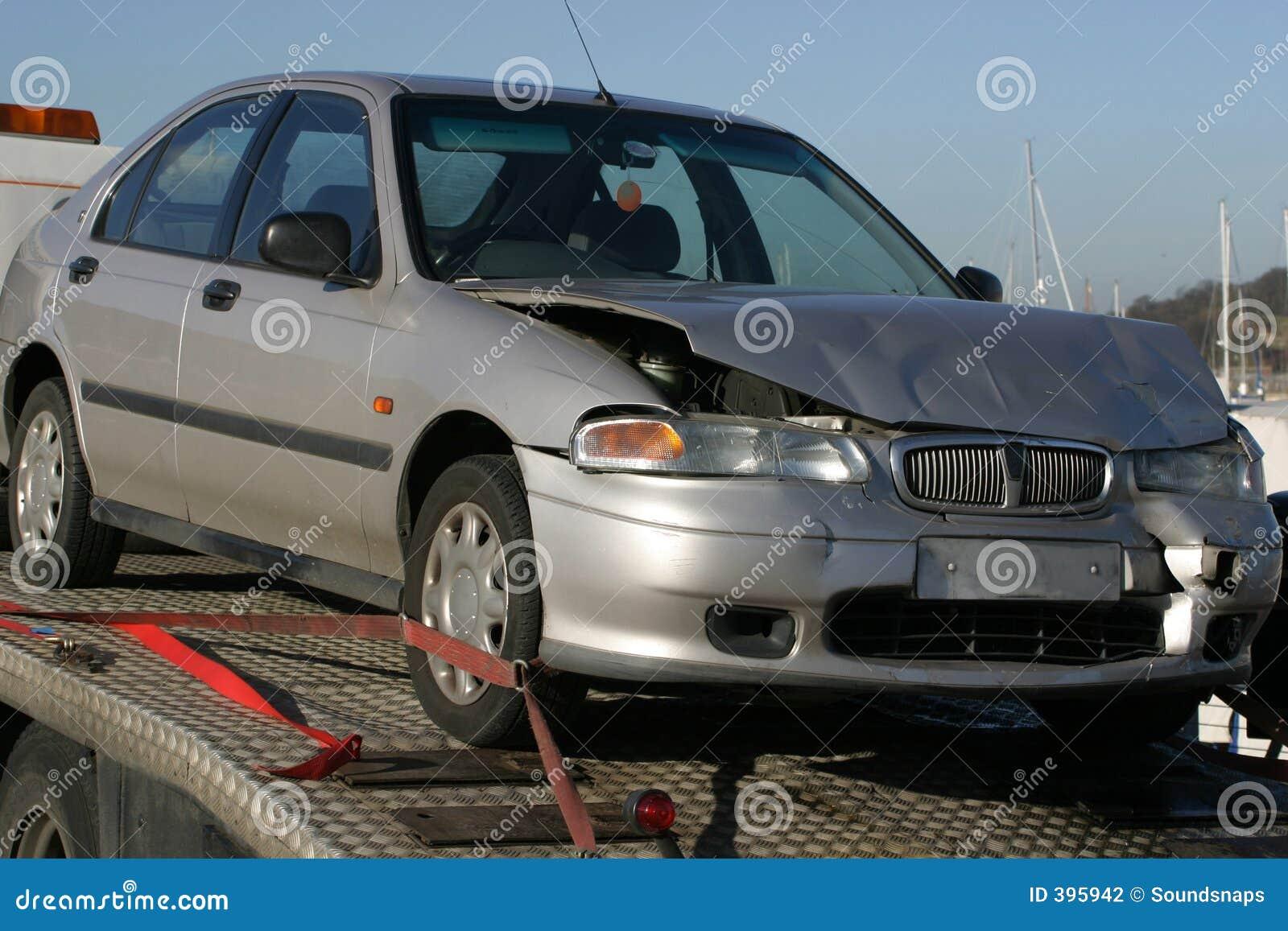 Samochód kraksy przyczepy