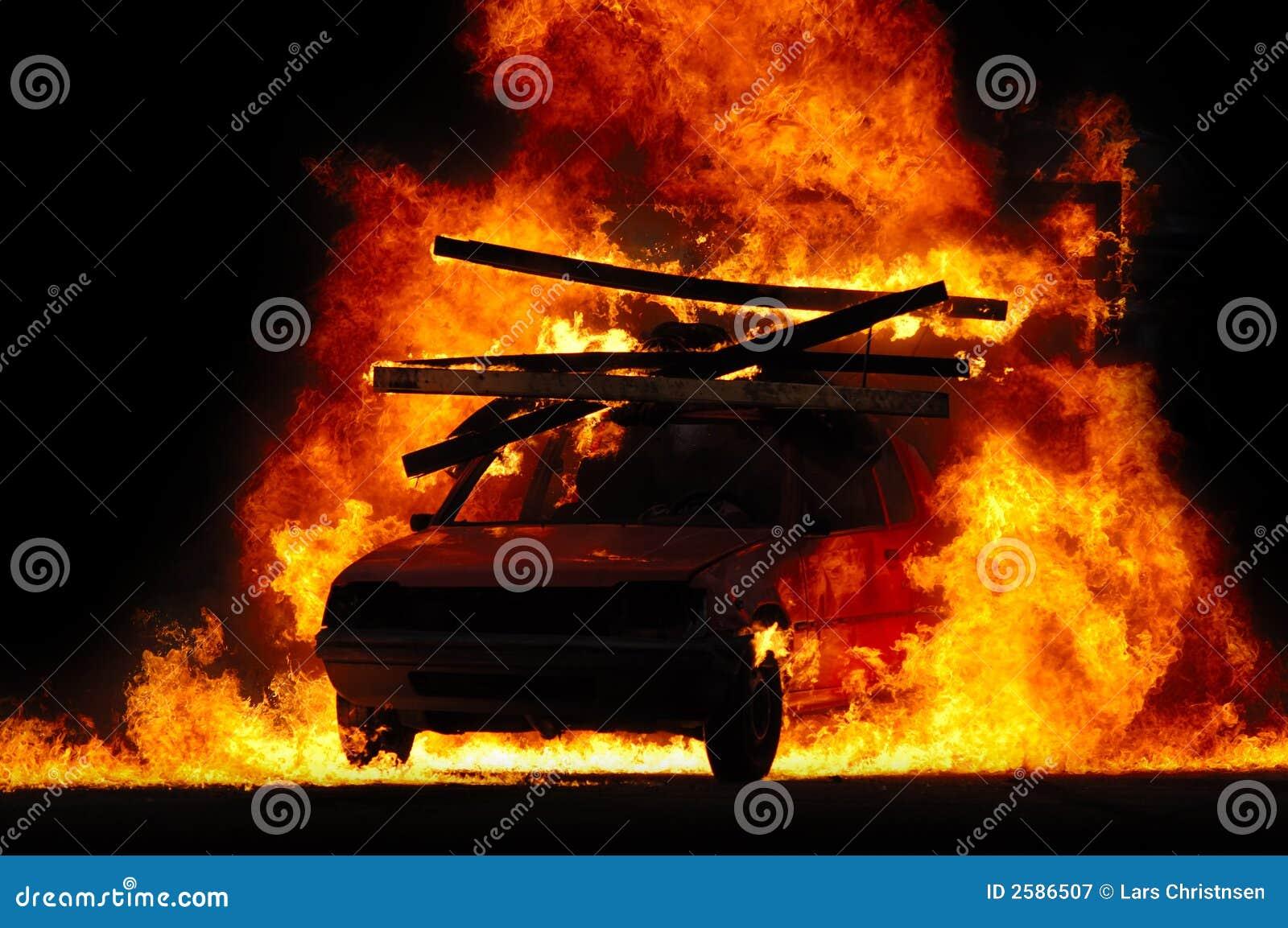 Samochód ogień