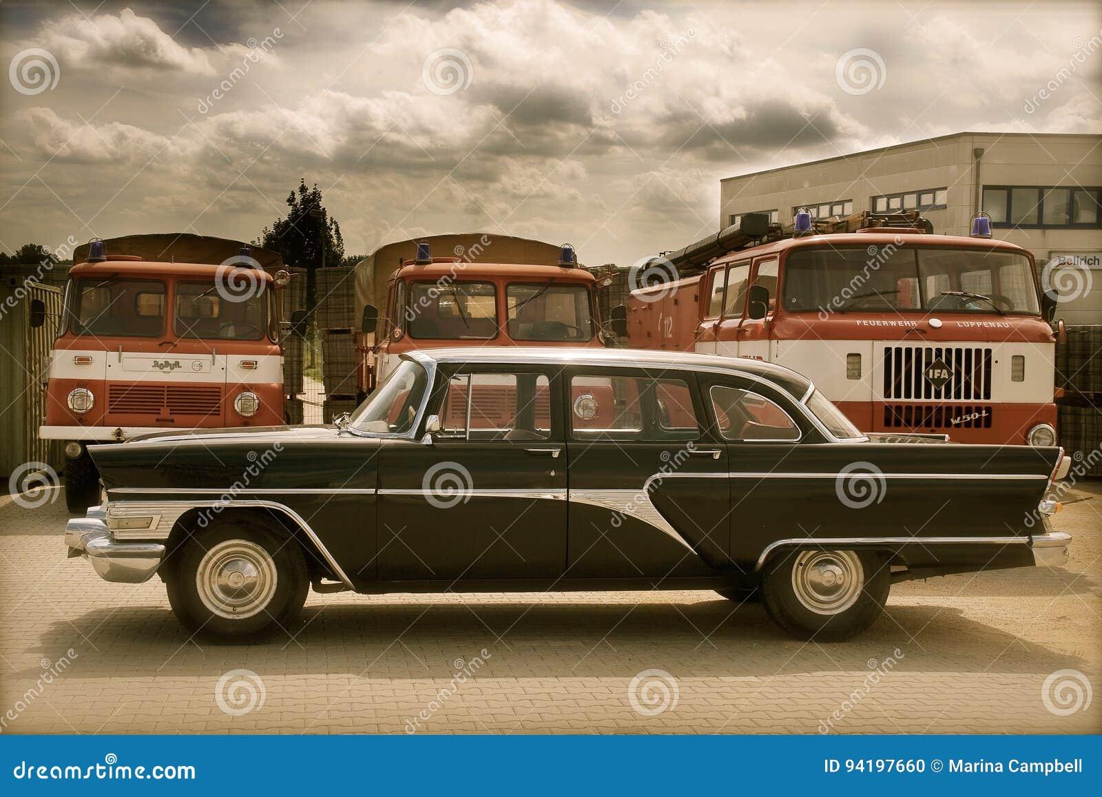 Samochód rozdzielać retro rosjanina