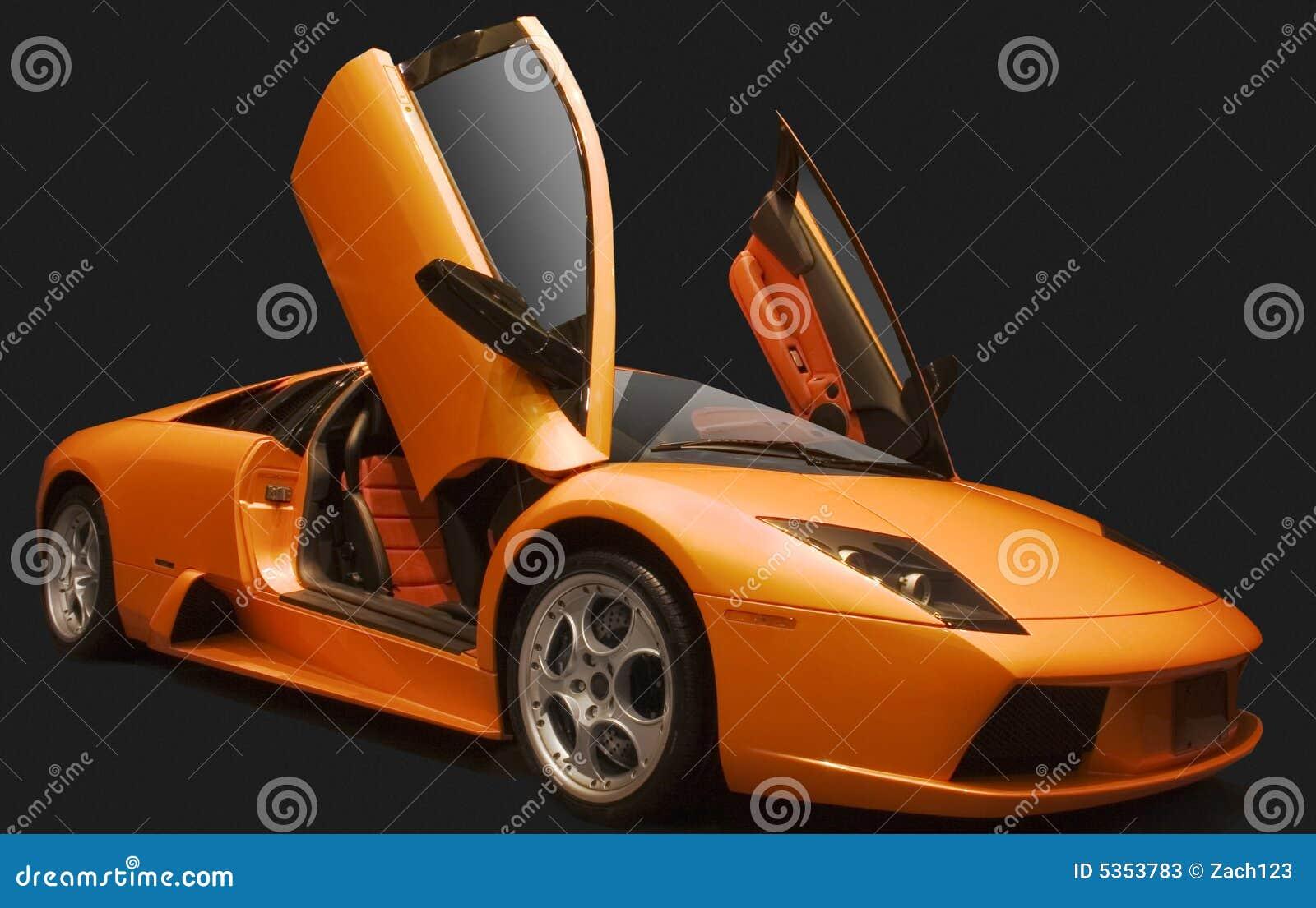 Samochód sorange sporty.