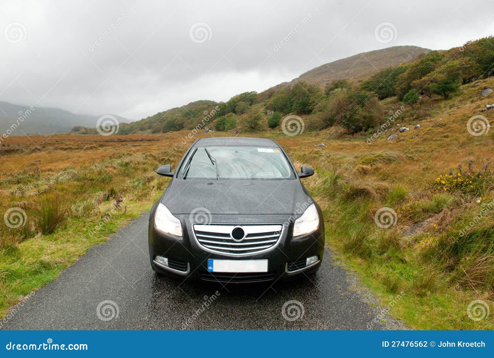Samochód w Dunloe s Gap, Irlandia