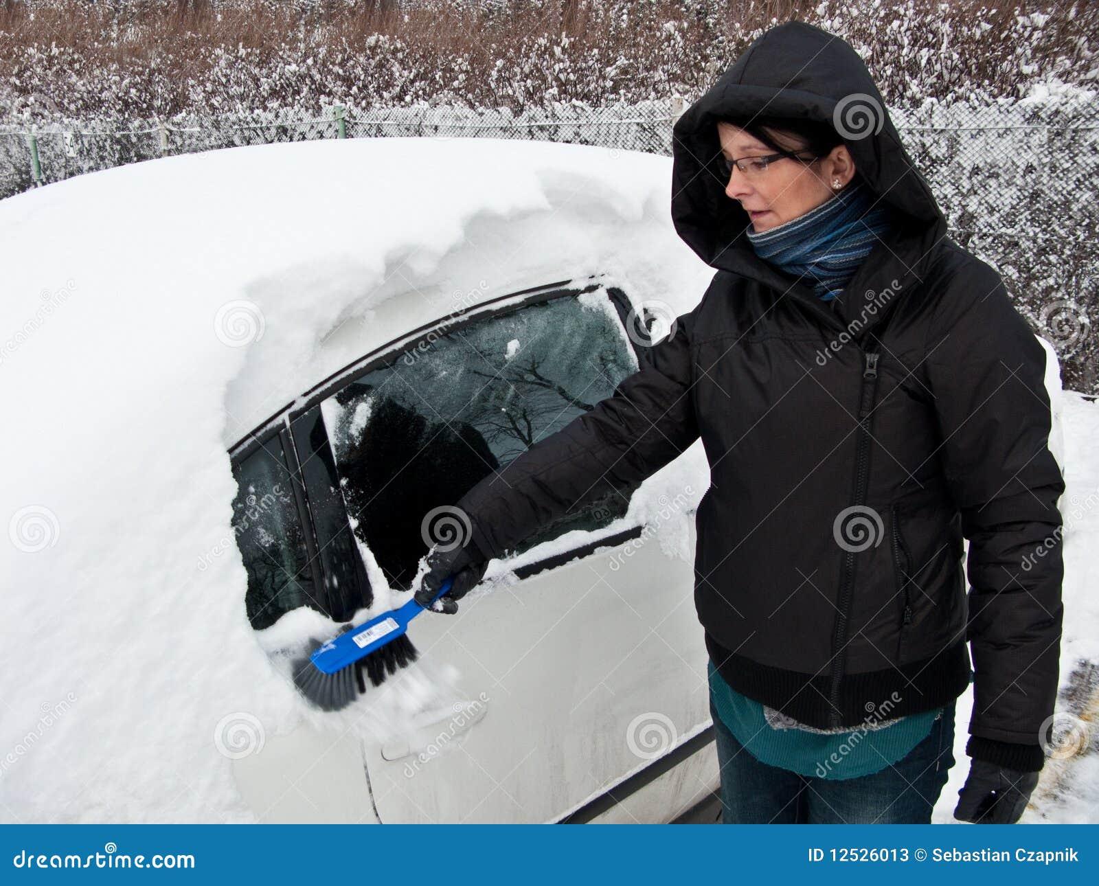 Samochodowa target1198_0_ śnieżna kobieta