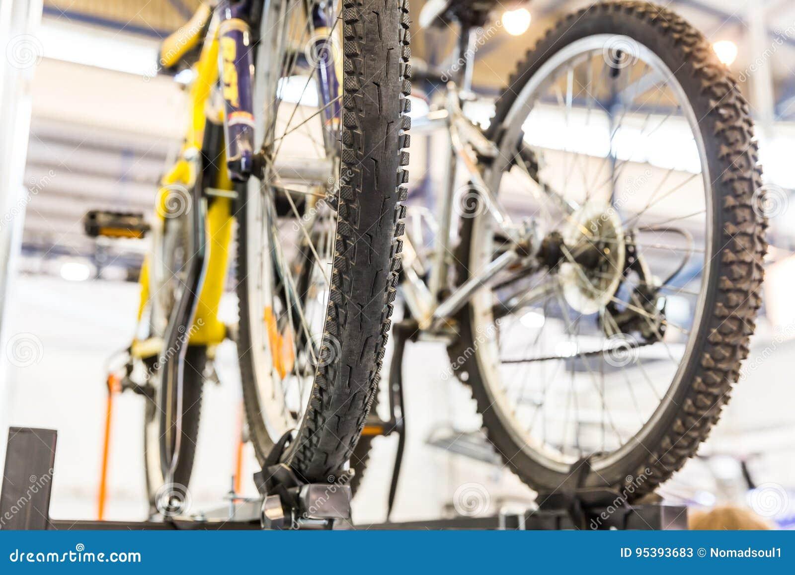 Samochodowy dachowy stojak dla roweru, rowerowy bagażnik