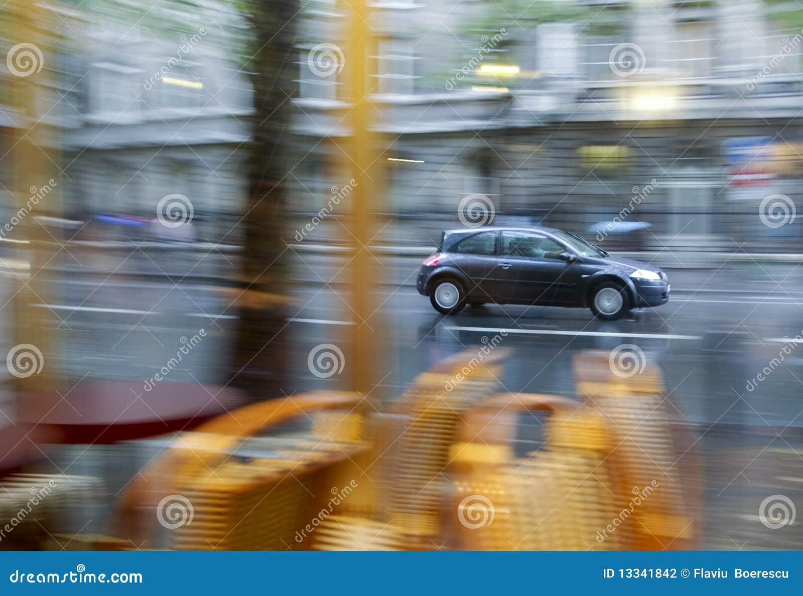 Samochodowy dzień skutka panning dżdżysty