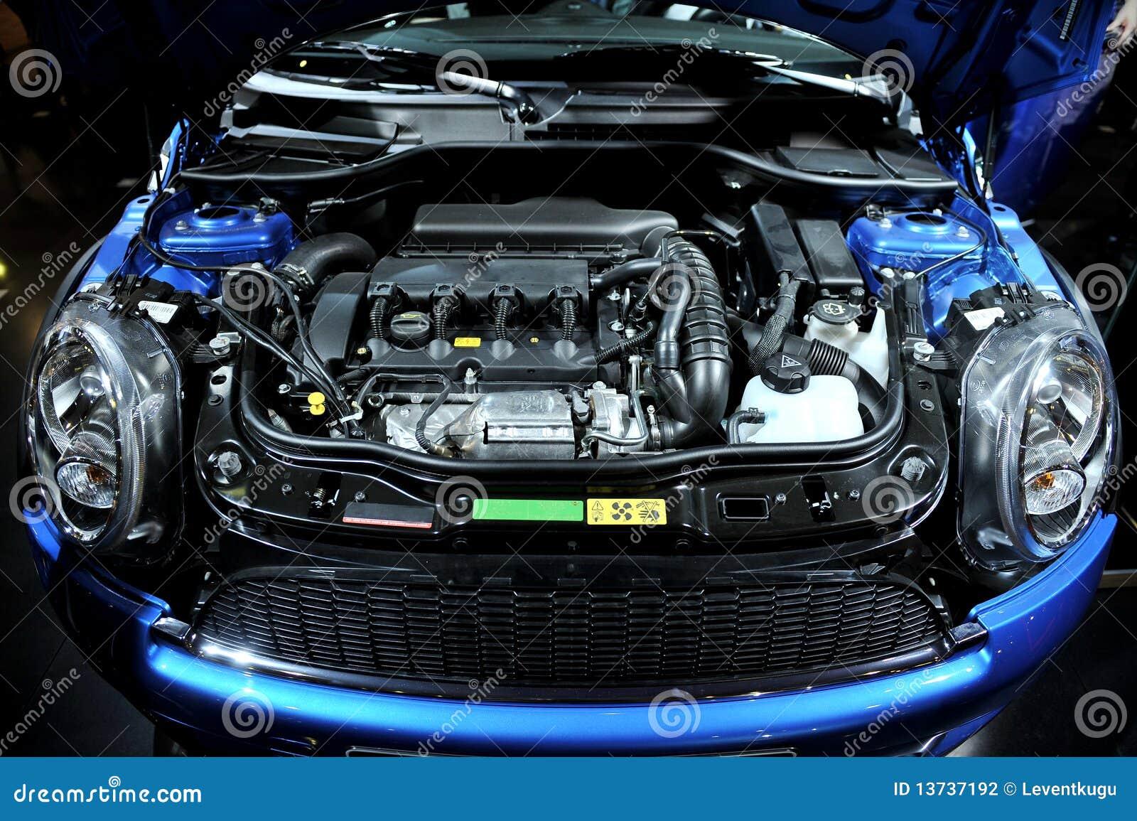 Samochodowy silnik