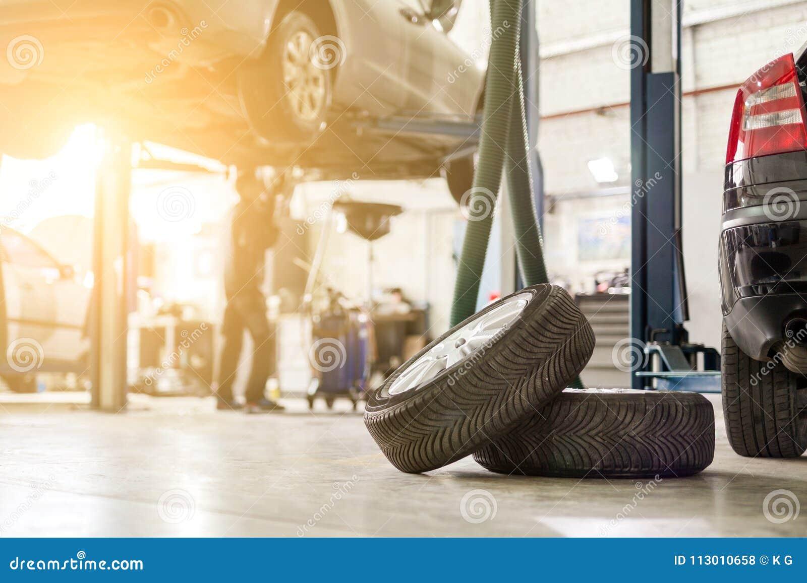 Samochodowy usługowy centrum Pojazd podnoszący na dźwignięciu przy utrzymanie stacją Auomobile czek up i