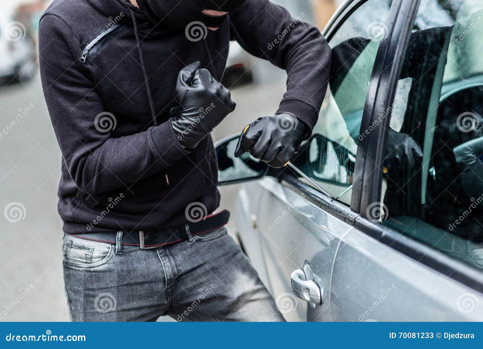 Samochodowy złodziej, samochodowa kradzież