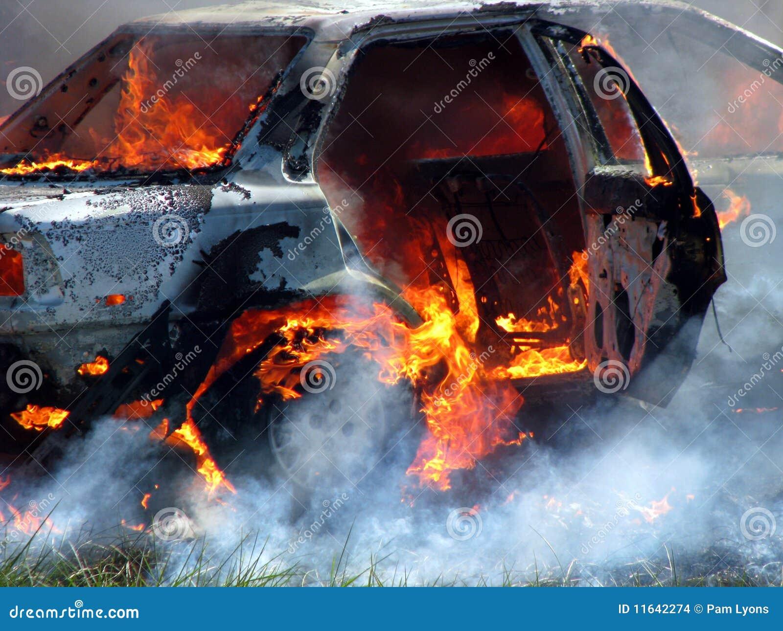 Samochodu ogień
