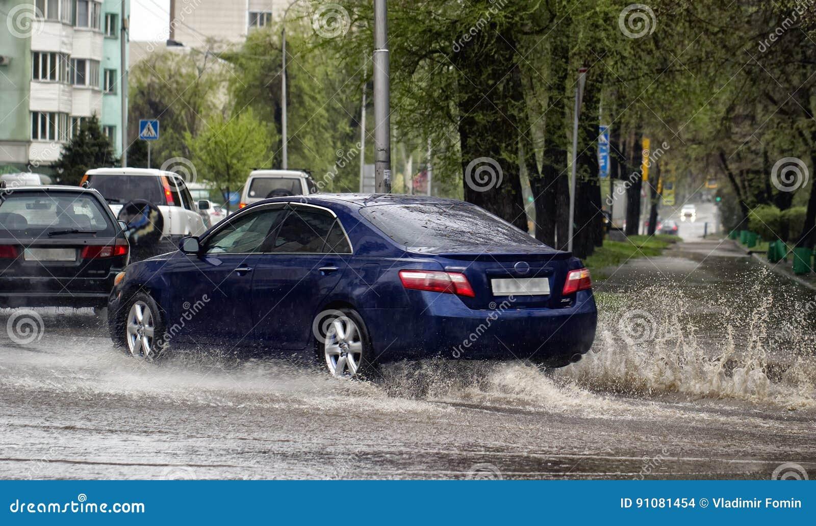 Samochody i deszcz