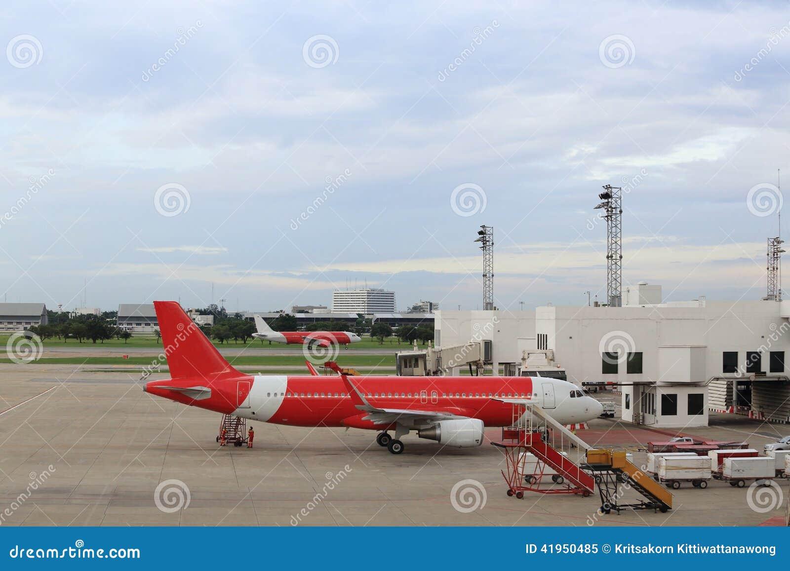 Samolot blisko