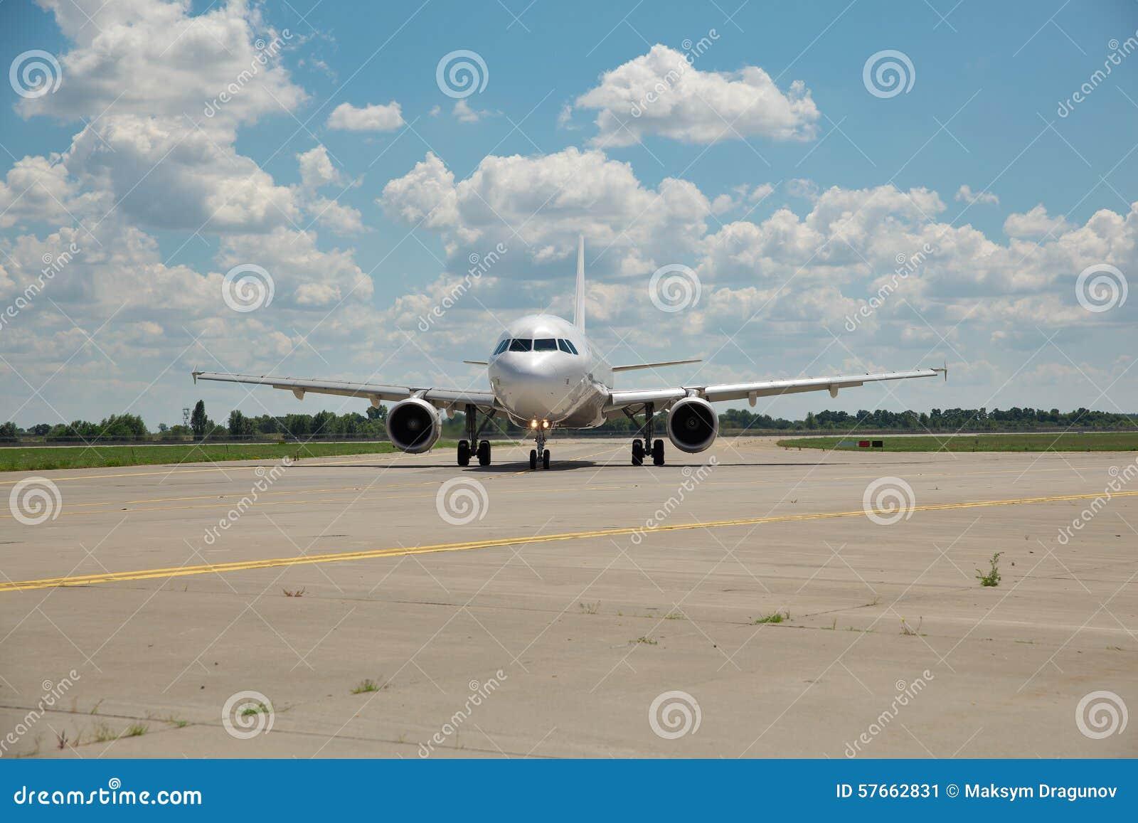 Samolot na pas startowy