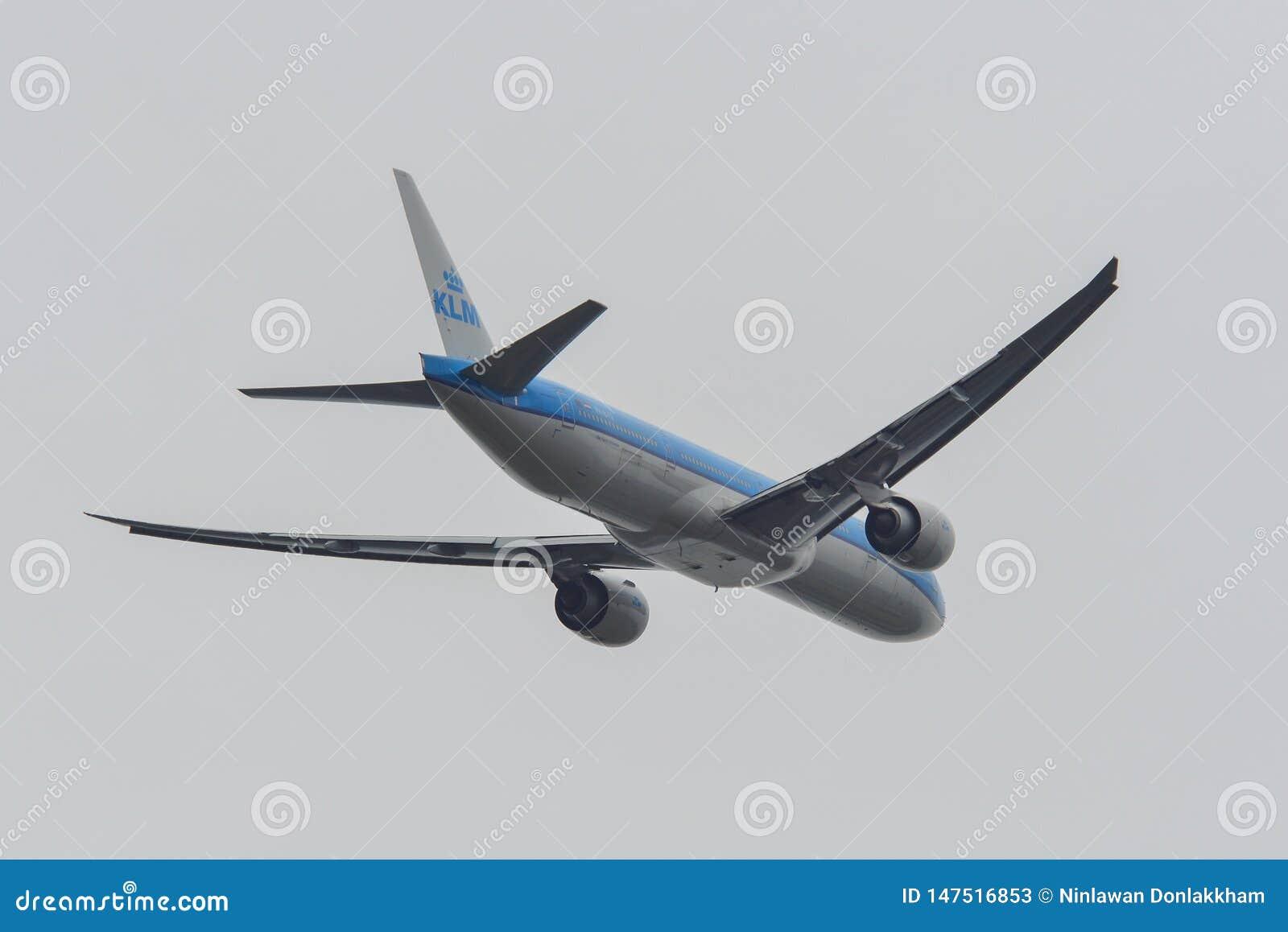 Samolot zdejmuje od Narita lotniska