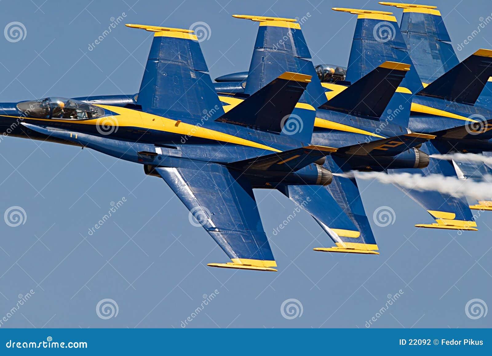 Samoloty.
