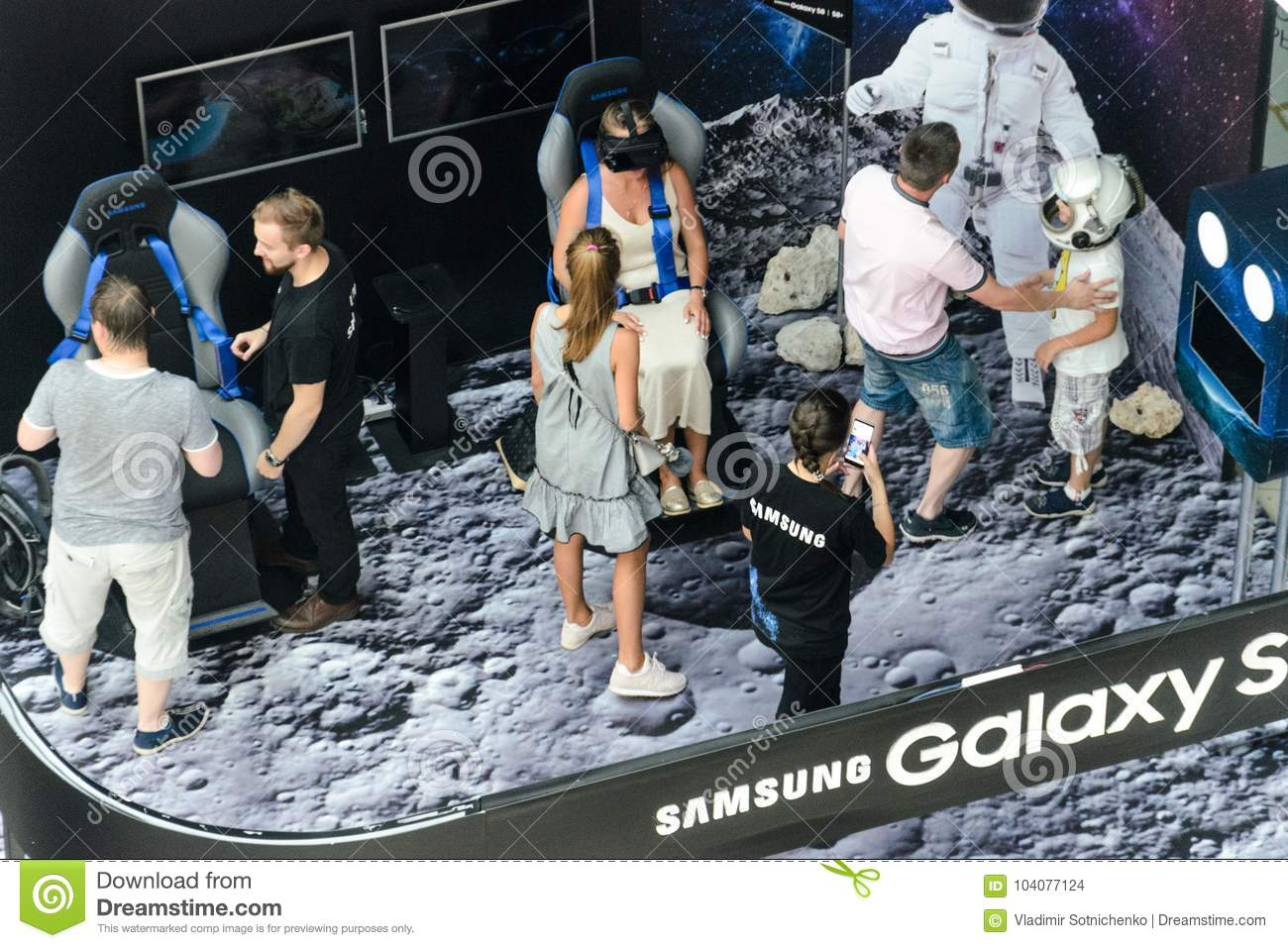 Corner Exhibition Stands Xl : Samsung exhibition stand of virtual reality editorial stock image