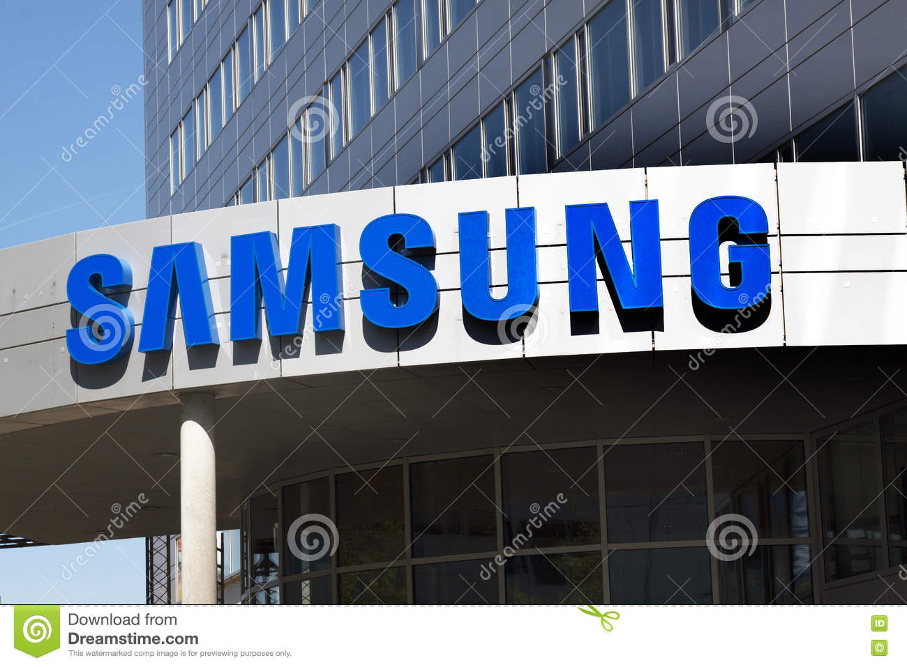samsung company Samsung development: the feeling is that the company priority is the new phone release and not customers that already have phones.