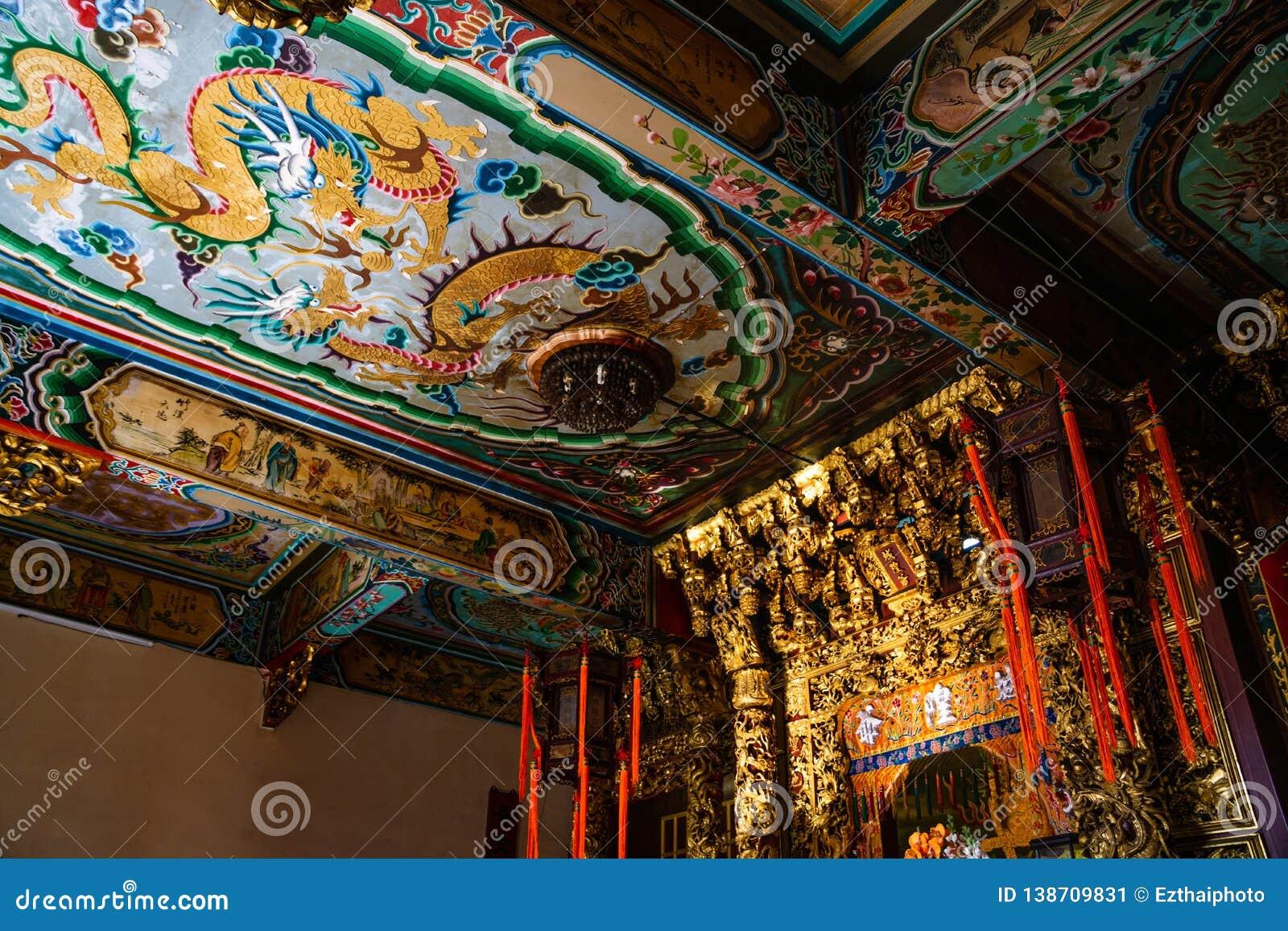 Samut Prakan, Ταϊλάνδης - 3 Φεβρουαρίου, 2019: Όμορφο ανώτατο όριο τέχνης tradintional κινεζικό στη λάρνακα Xian Dai Lo Tian Gong