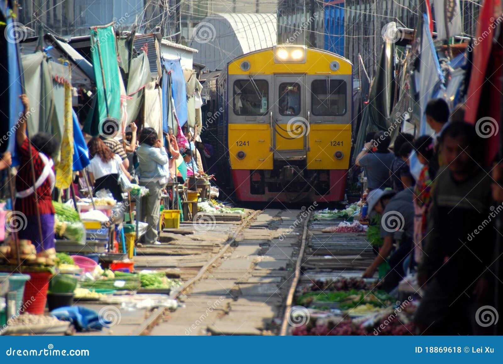 Samut Songkhram Thailand Railway Market Editorial Stock