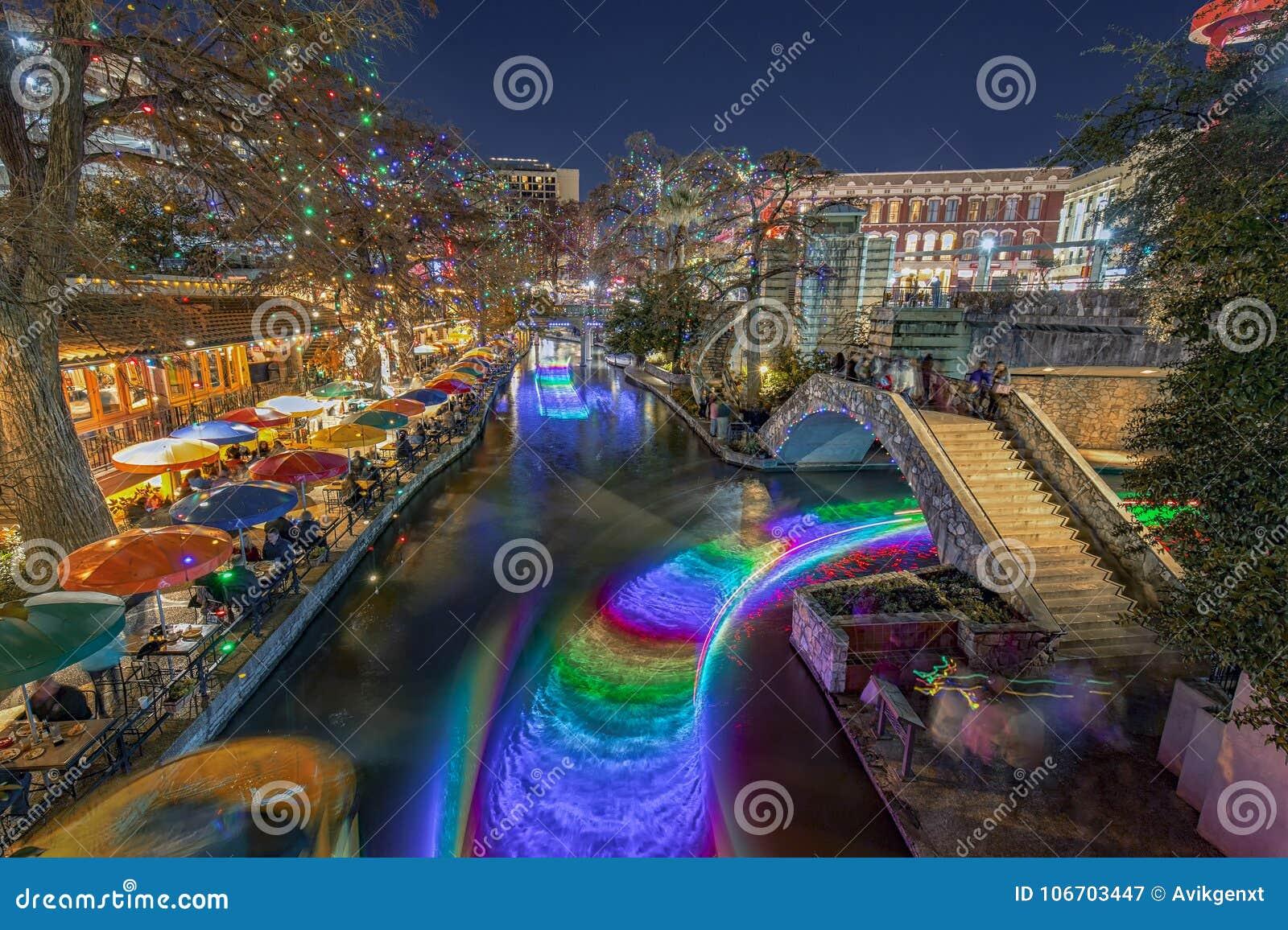 San Antonio Riverwalk During Christmas.San Antonio River Walk With Christmas Lights In Texas Usa