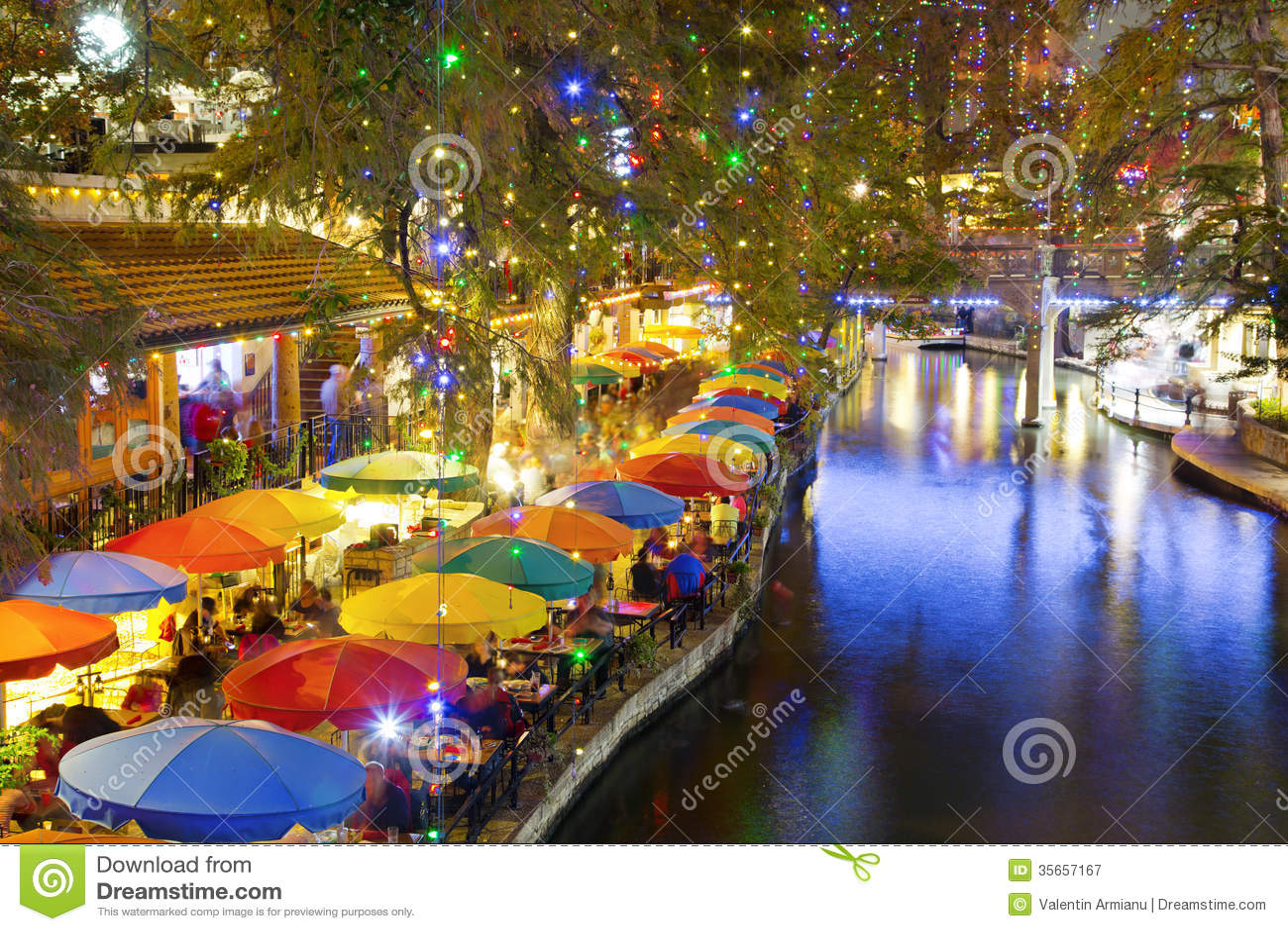 San Antonio Riverwalk bij nacht