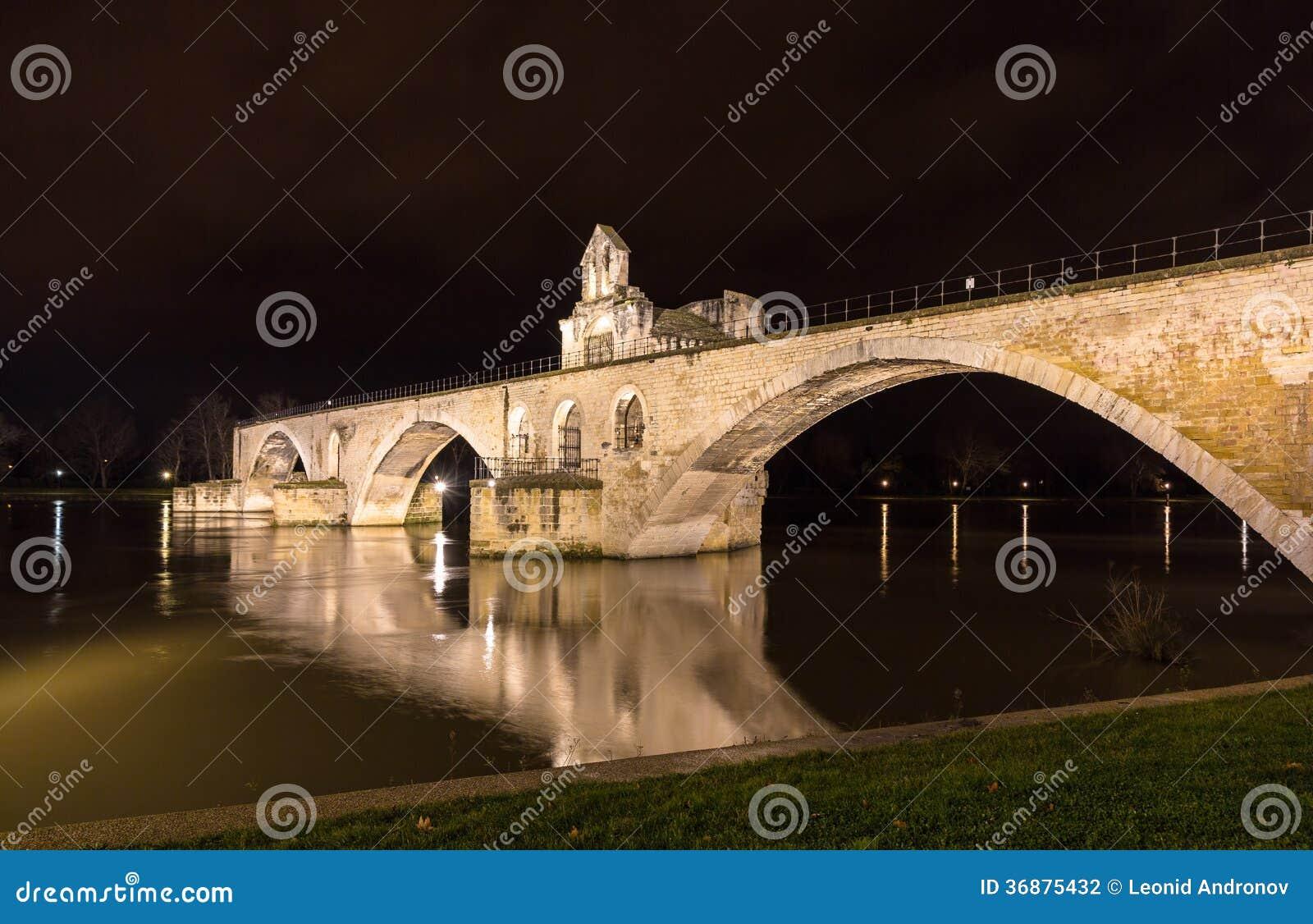 Download San-Benezet A Avignone, Un Sito Di Pont Del Patrimonio Mondiale In Francia Fotografia Stock - Immagine di luce, romano: 36875432