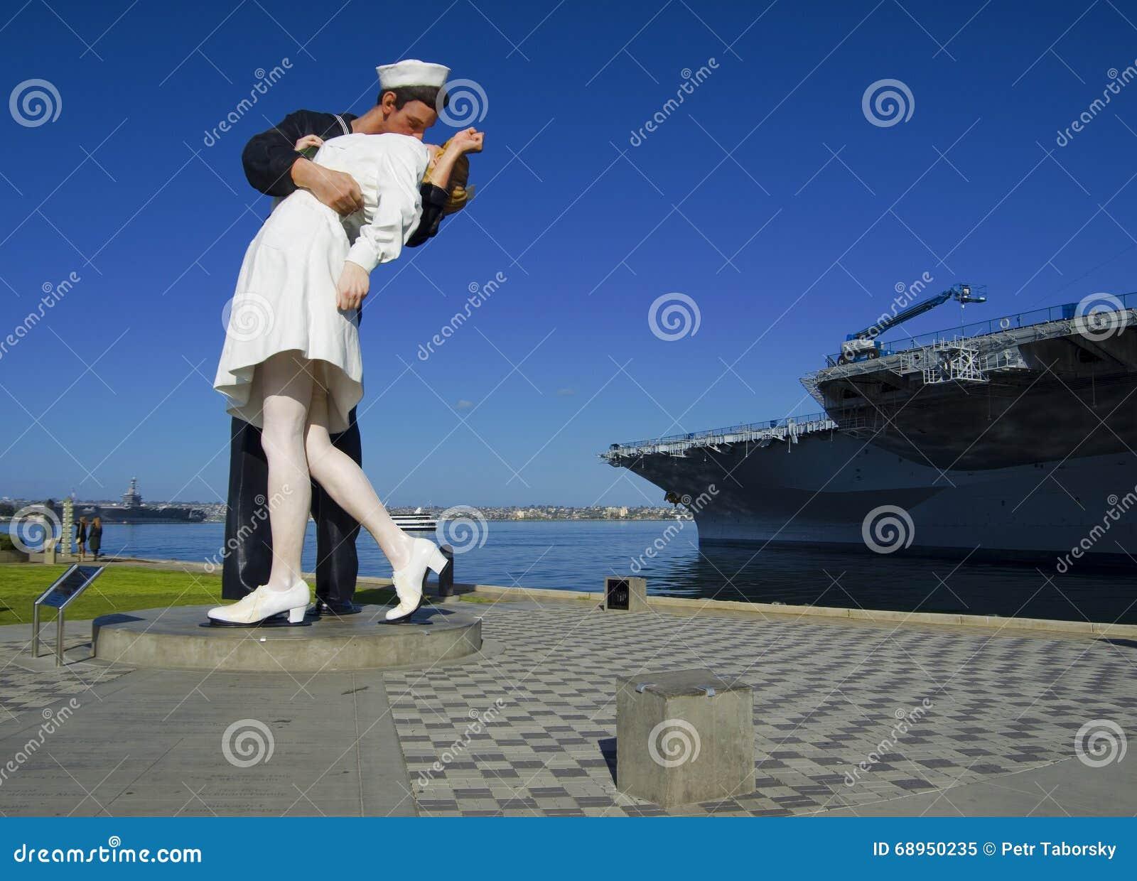 SAN DIEGO, Californië, de V.S. - 13 Maart, 2016: Kusstandbeeld in de haven van San Diego, de V.S.