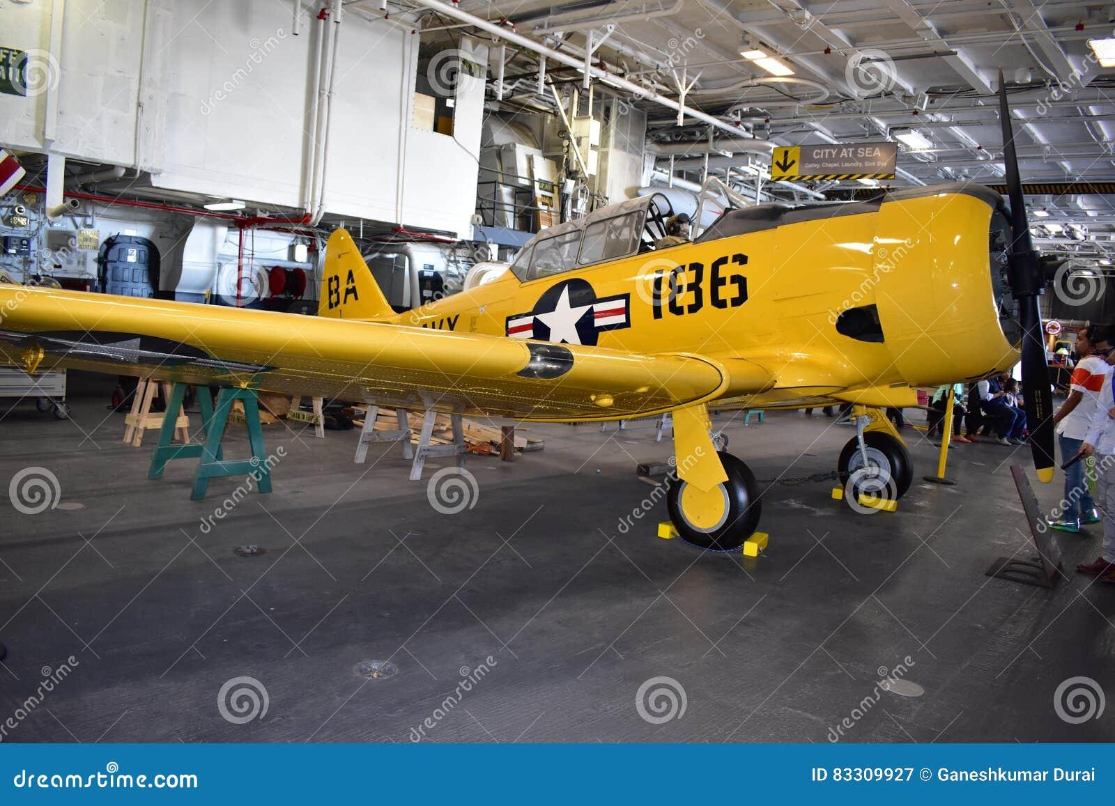 San Diego, Kalifornia Dec 04,2016 - NAVCAD Roger w USS Midway muzeum - usa -