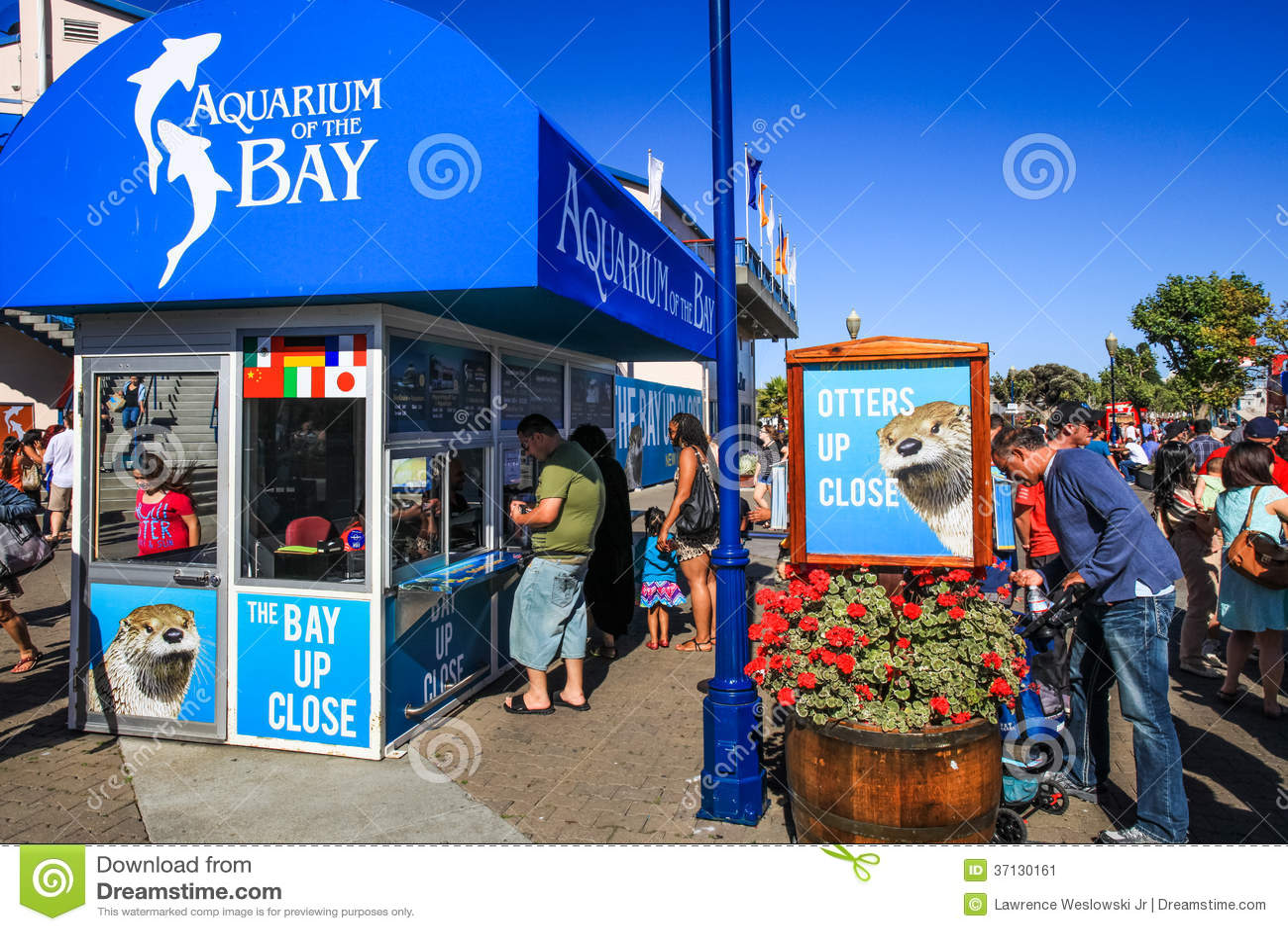 San Francisco Aquarium Of The Bay Ticket Booth Editorial