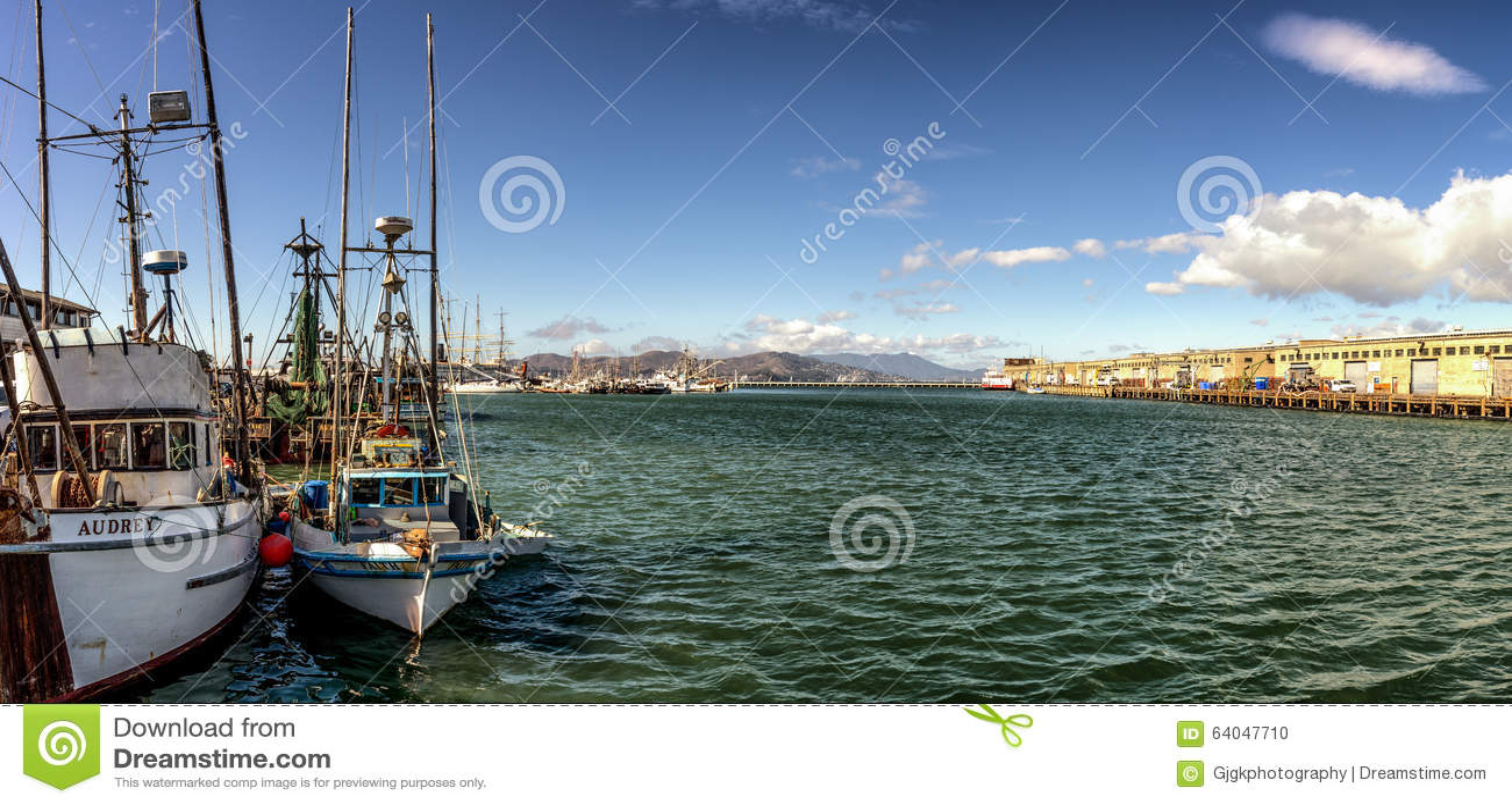 San francisco bay fishing boats pano editorial image for Sf bay fishing report