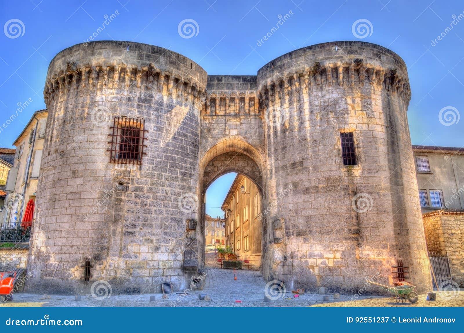 San Jacques Gate in cognac, Francia