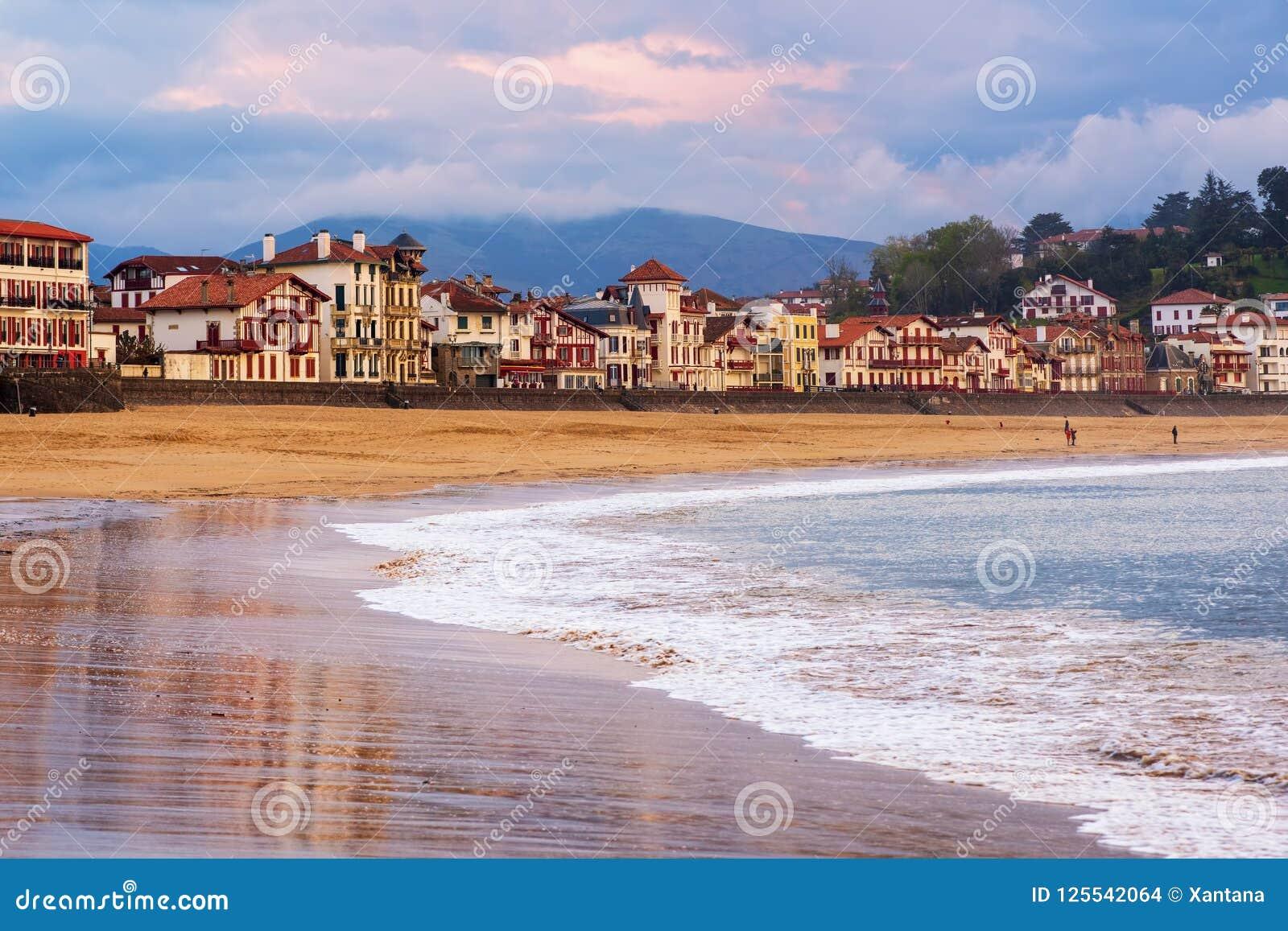 San Jean de Luz, costa basca, Francia, sul tramonto