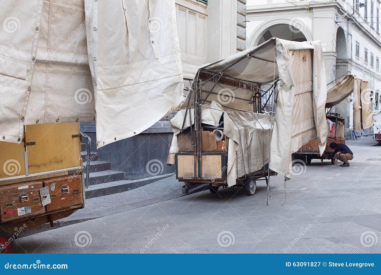Download San Lorenzo Leather Market Florence Photographie éditorial - Image du matin, florence: 63091827