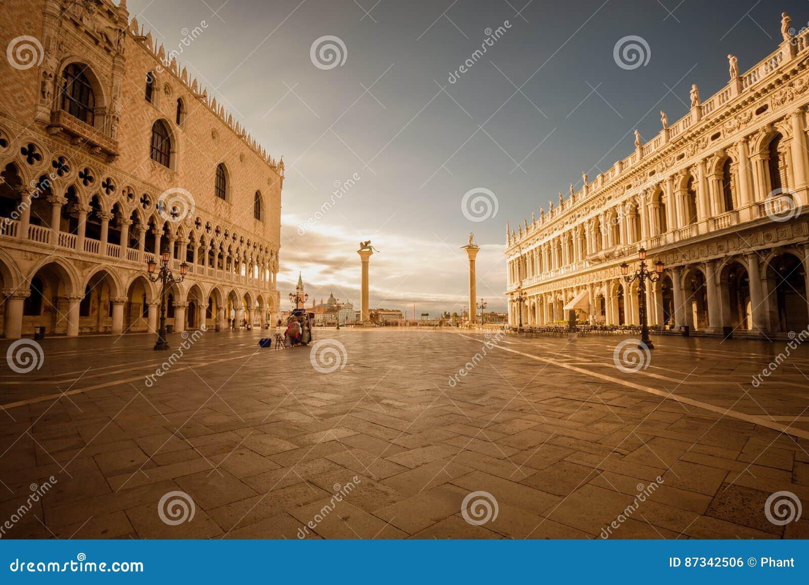 San Marco kvadrerar Venedig italy