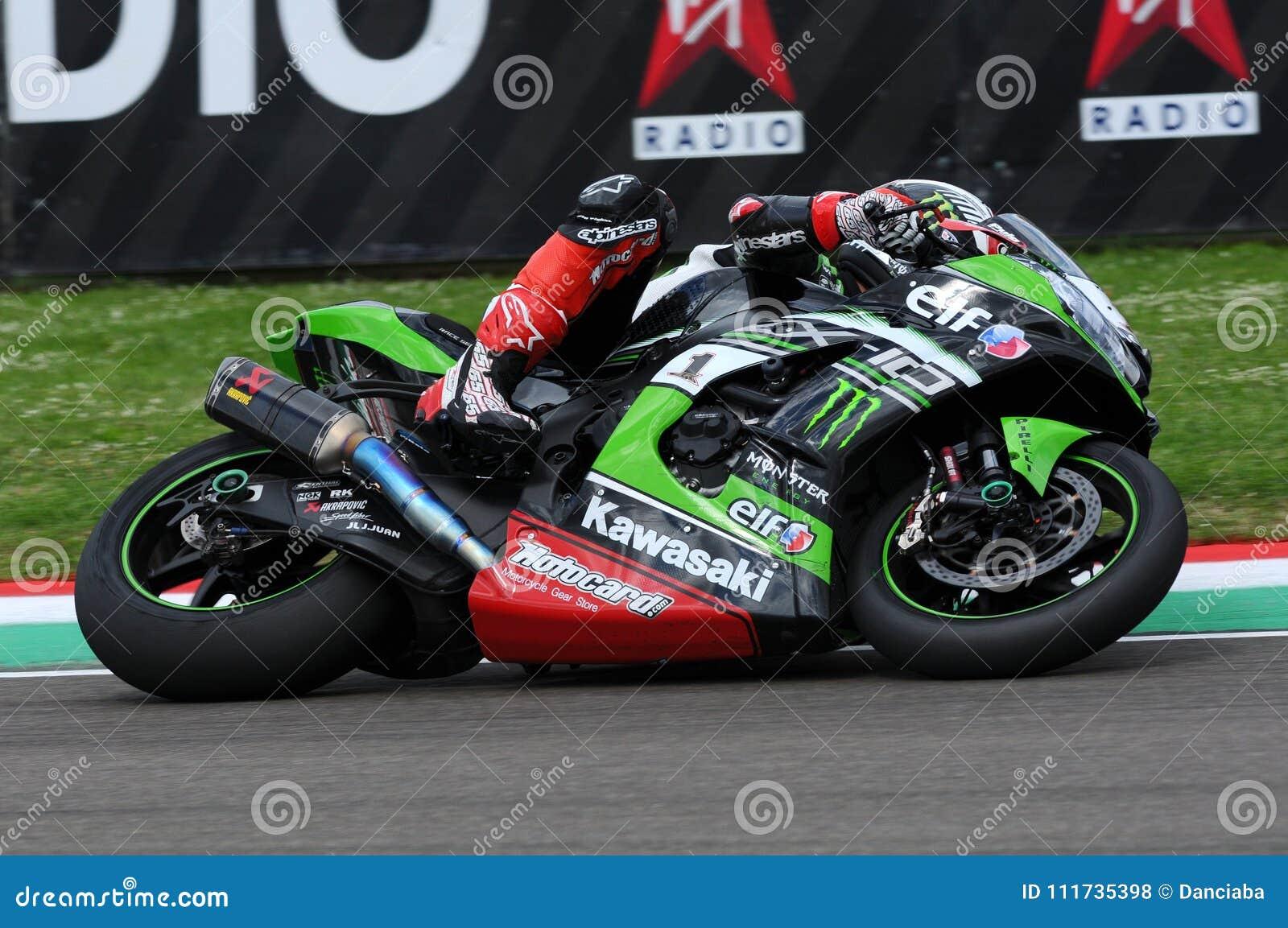 San Marino Italien - Maj 12: Jonathan Rea av Storbritannien Kawasaki Racing Team rider under qualifyng av WSBK på Imola